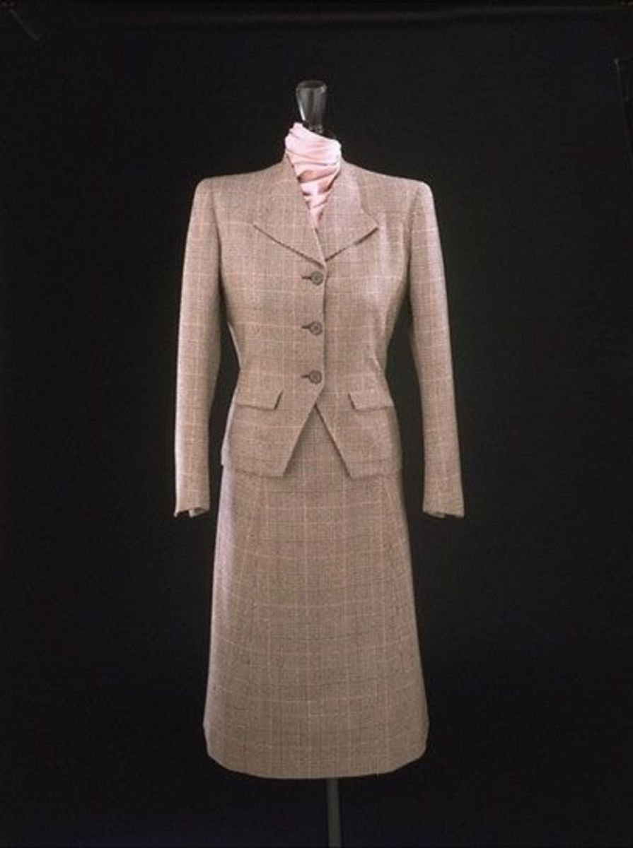 Utility Suit, designed by Edward Molyneux for the Utility Scheme, 1942; now in the collection of the Victoria and Albert Museum;  Museum no. T.43-1942