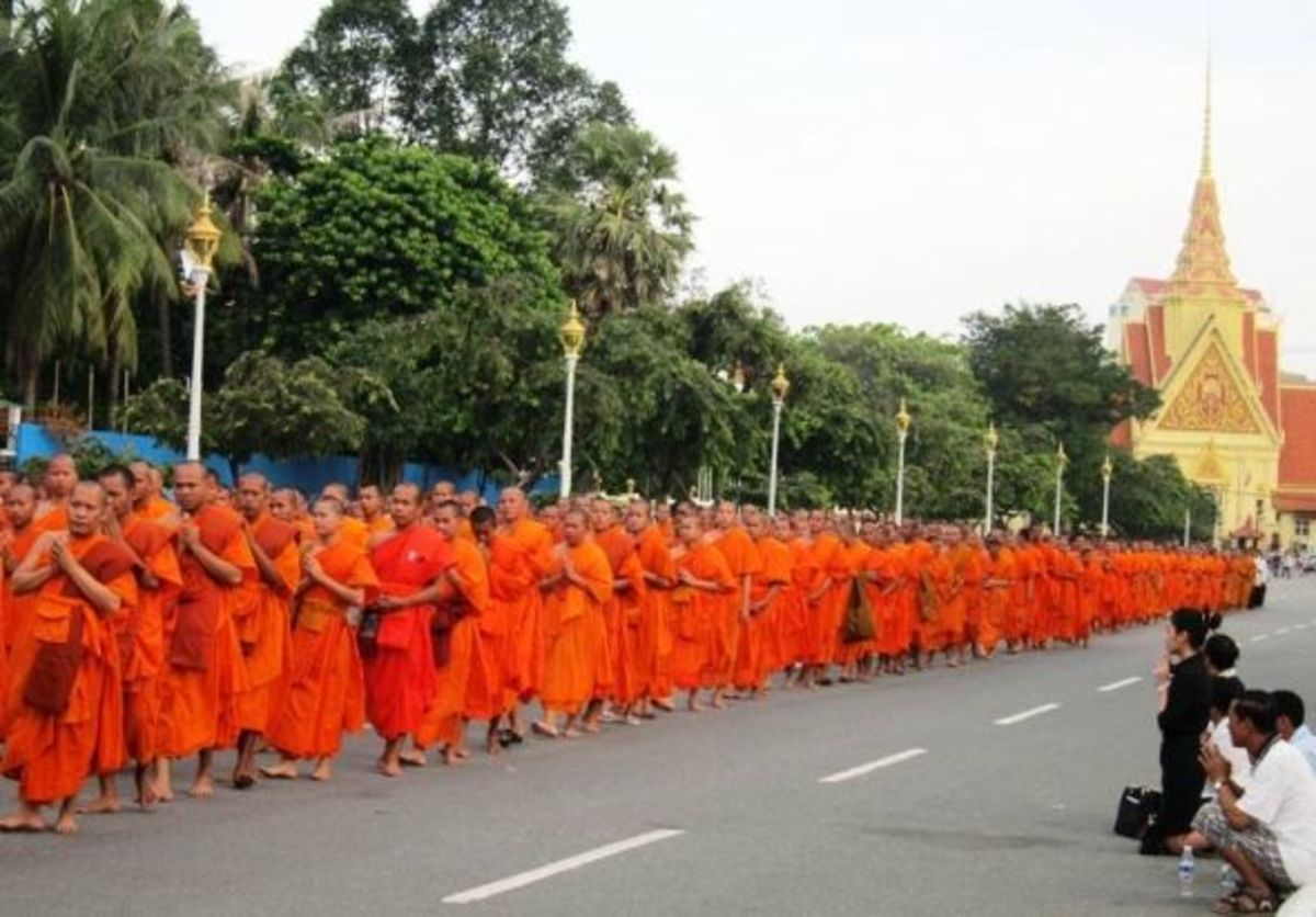 Sampeah to the Monks