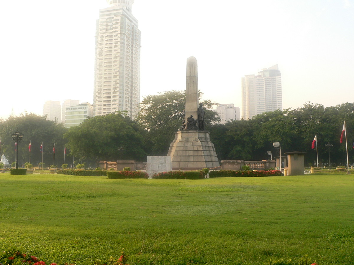 Rizal Park is in the Heart of the City of Manila