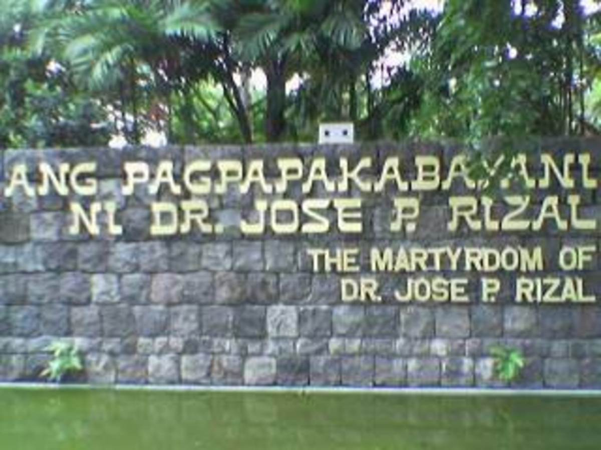 Entrance to Rizal Park