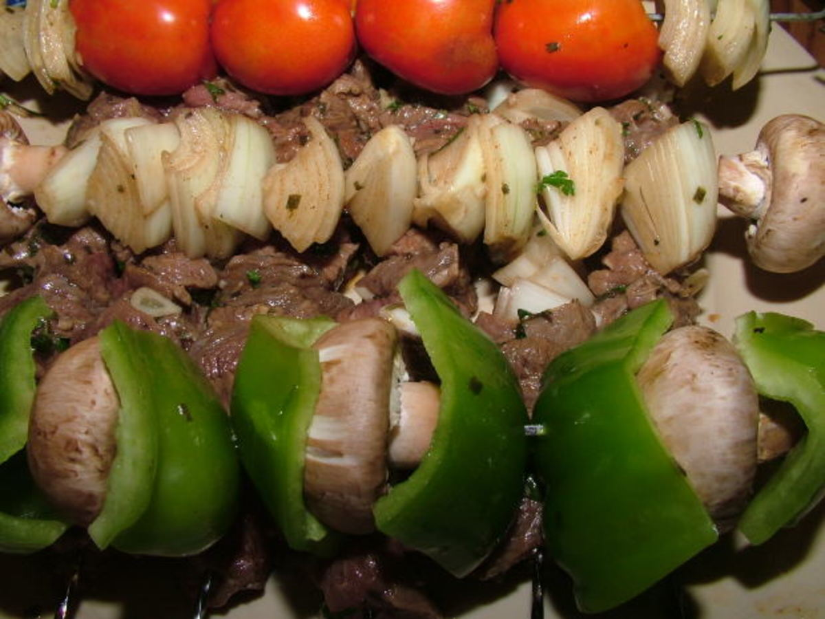 Steak and pepper kabobs. Colorful and healthy.