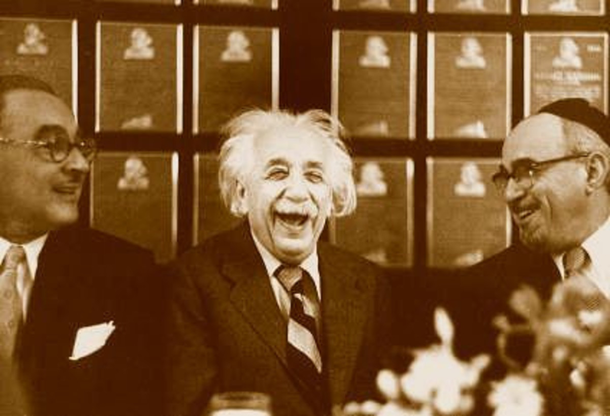 Albert Einstein laugh hard with colleague