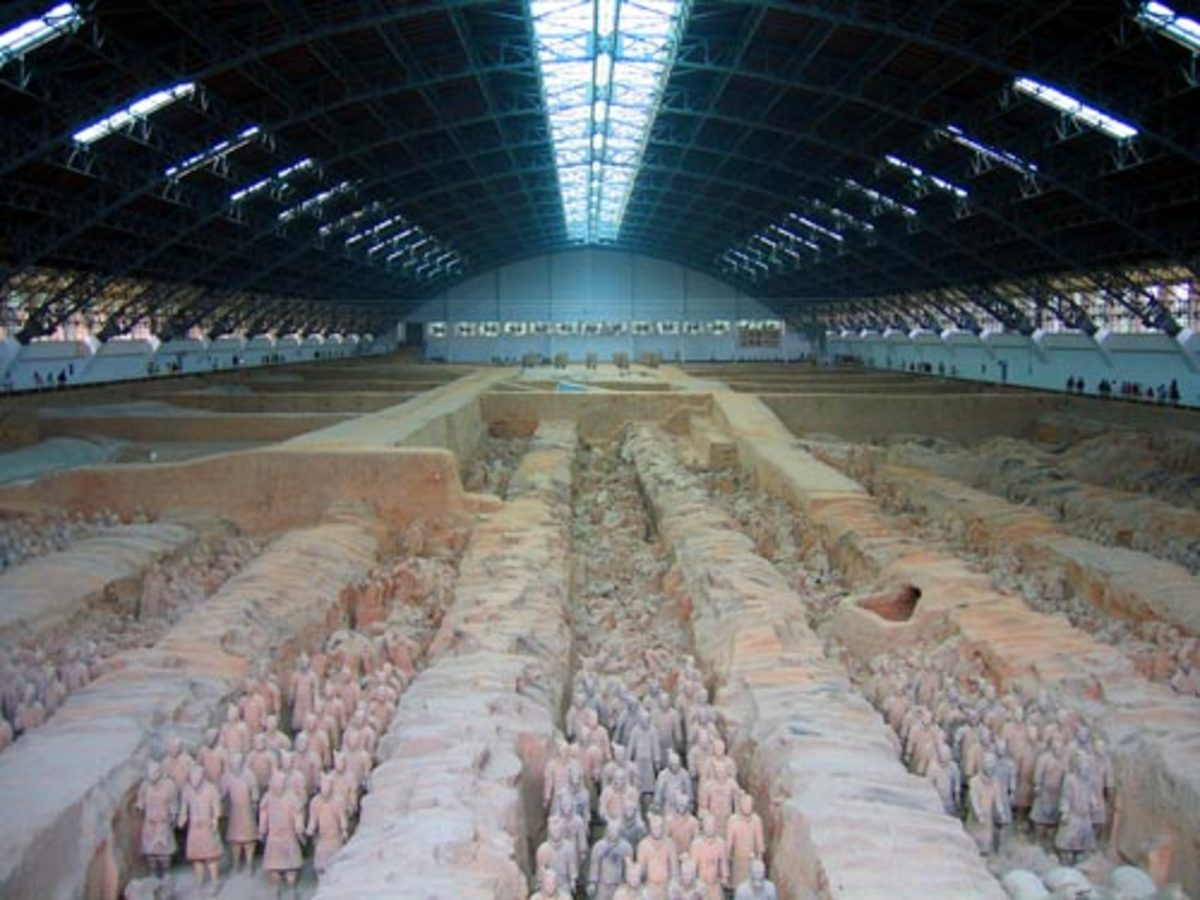 CHINA'S FIRST EMPEROR QIN SHI HUANG: TERRACOTTA ARMY