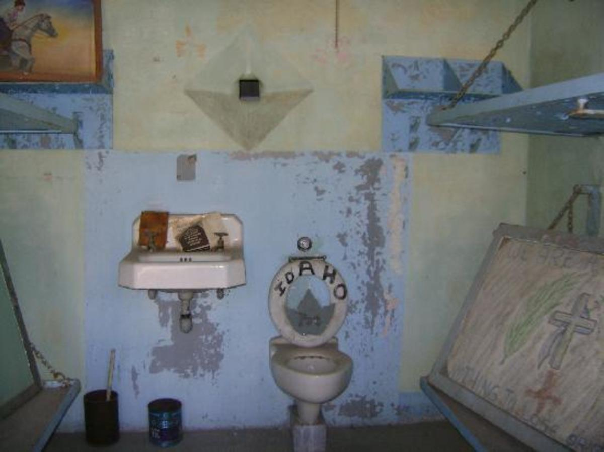 Inside a cell at the old Idaho Penitentiary.
