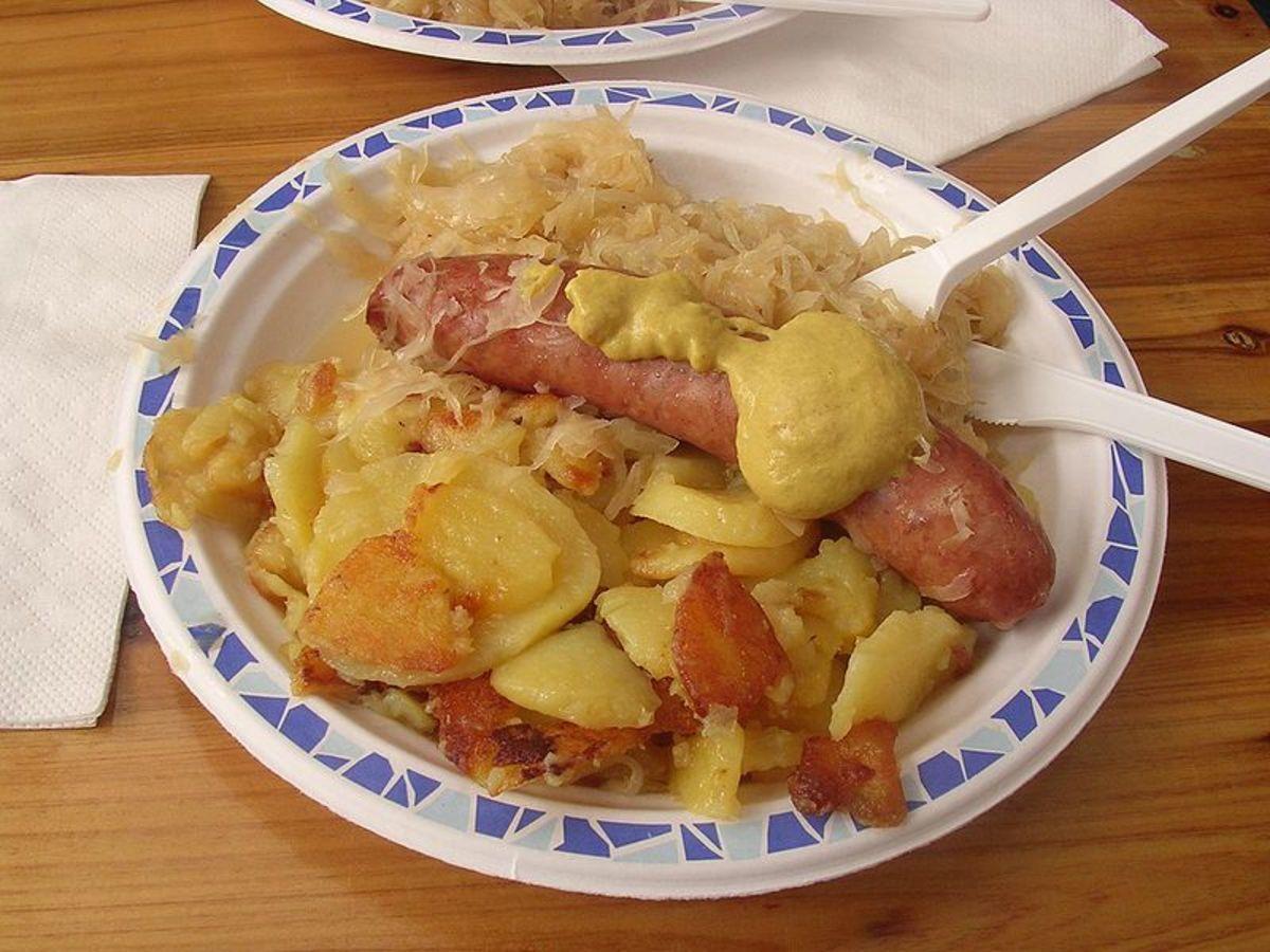 Mettwurst with sauerkraut and potatoes
