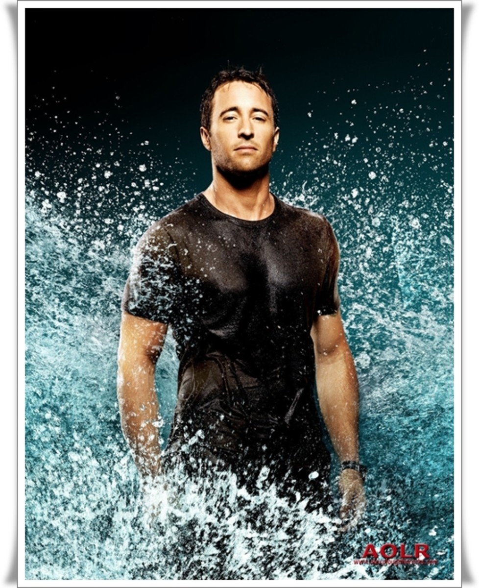 Alex O'Loughlin as Commander Steve McGarrett