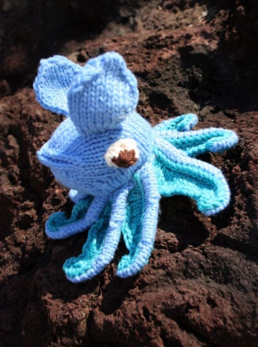 Knitted Squid. Well, ok, he's an octopus... but you get the idea