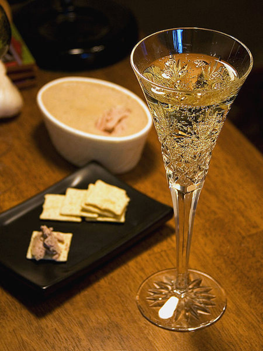 Champagne - Foods to Eat with Champage
