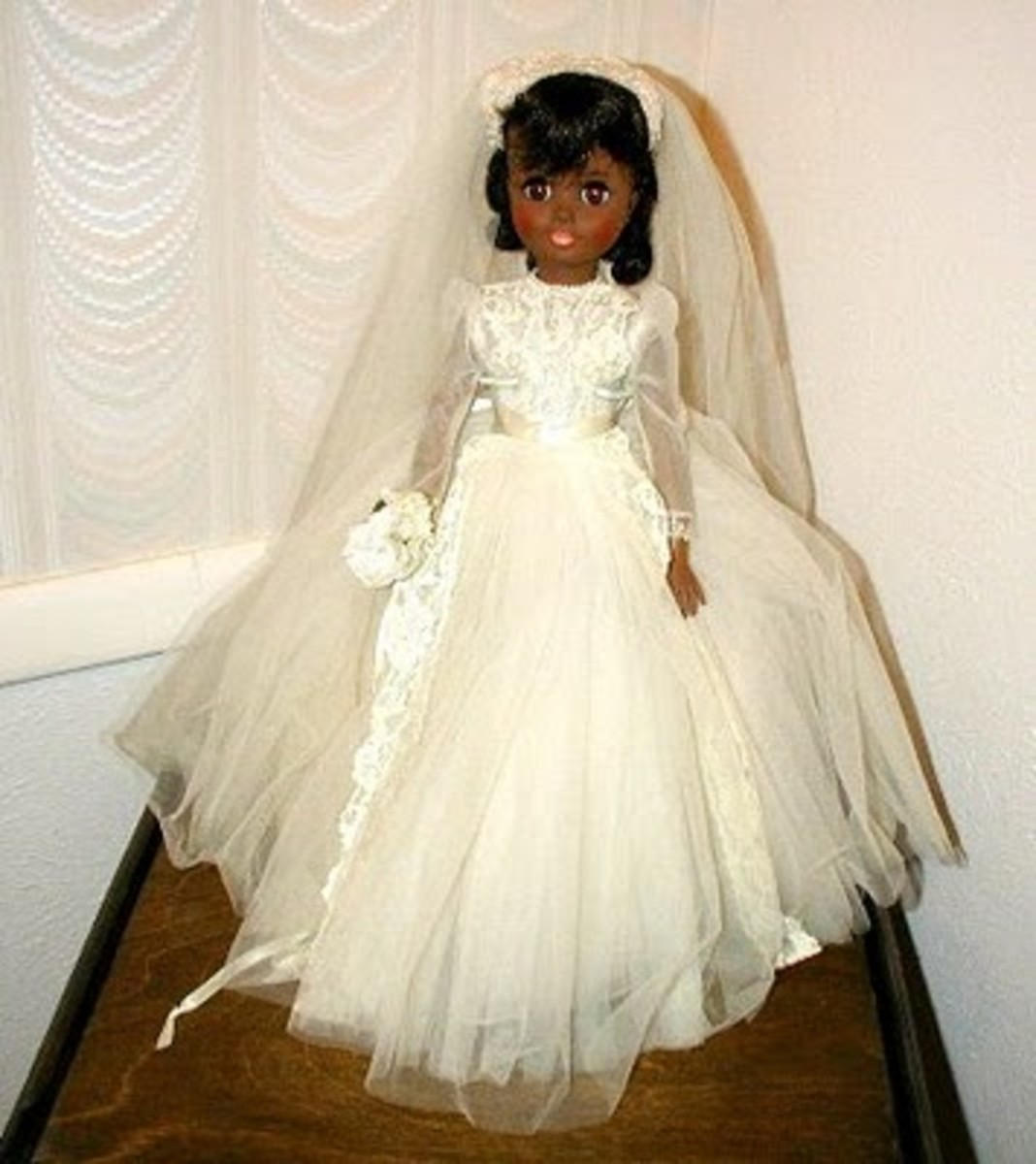 "Another version of the ""Leslie"" Bride doll using the ""Polly"" sculpted head.  The first version uses the ""Elise"" head."