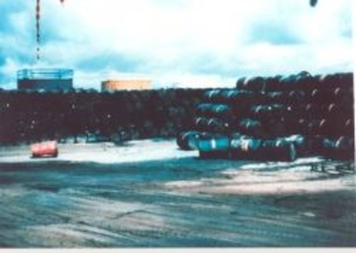 Agent-Orange-stack-of-55-gallon-drums.jpg
