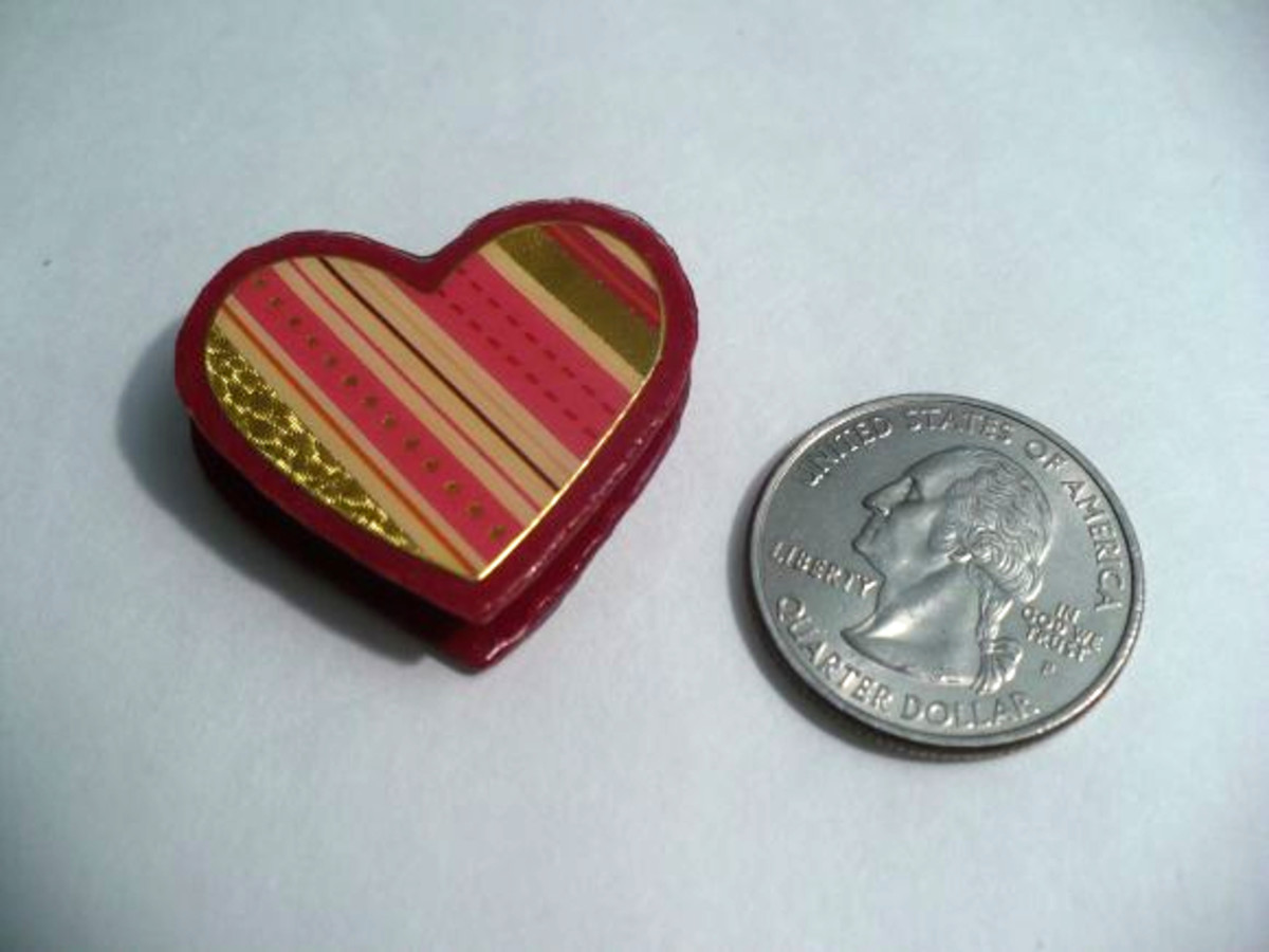 DIY Dollhouse Miniatures:  Mini Heart-Shaped Valentine's Day Chocolate Candy Box