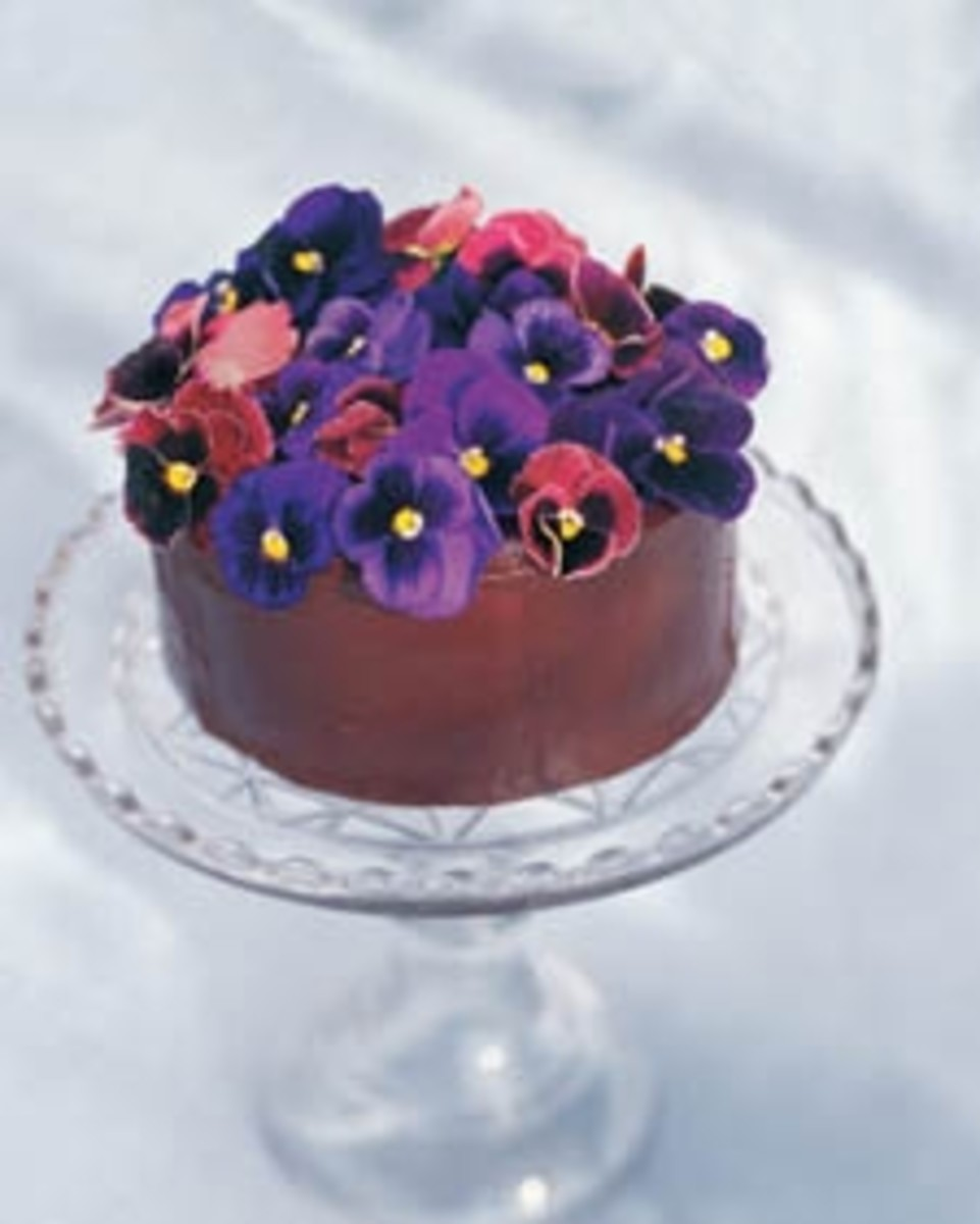 Chocolate-Glazed Cheesecake with Pansies
