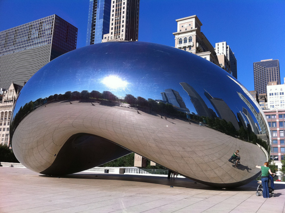 "This stainless steel construction is by Indian-born British artist Anish Kapoor, and is the centerpiece of the AT&T Plaza in Millennium Park (Chicago, Illinois, United States). The sculpture is nicknamed ""The Bean""."