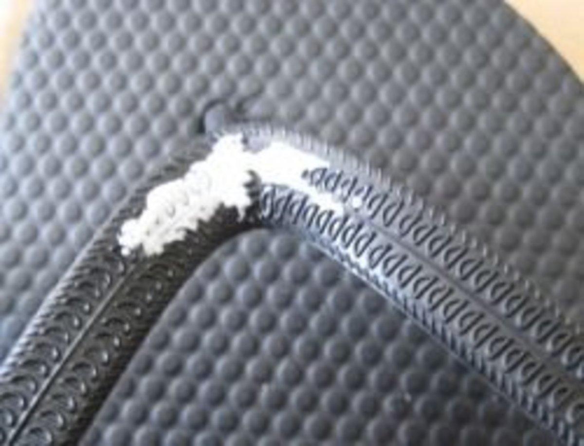 Spread glue on the flip flop strap