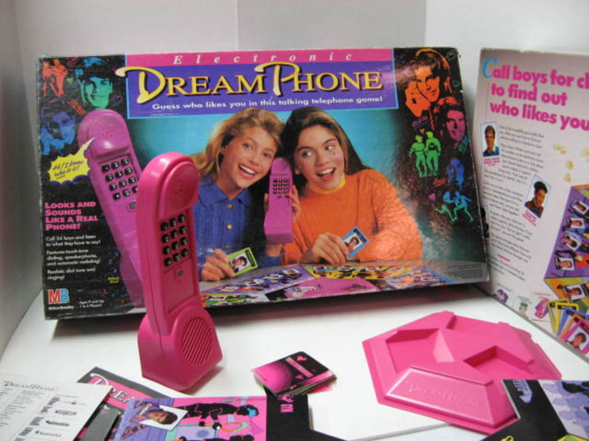 Electronic Dream Phone, the 90s Dating Game for Girls