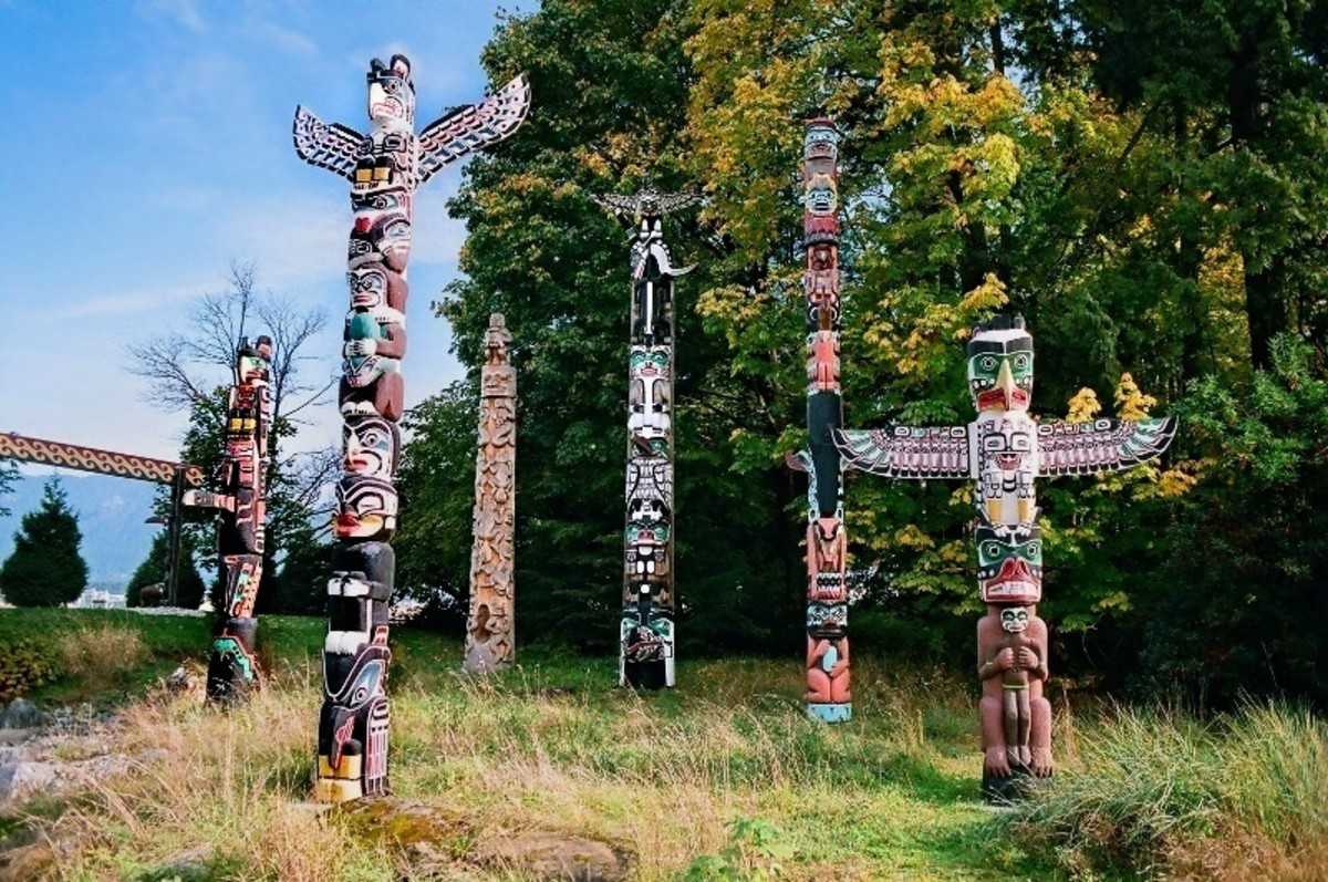 Totem Poles - the Legacy of  Native American Indians and Tribal Customs