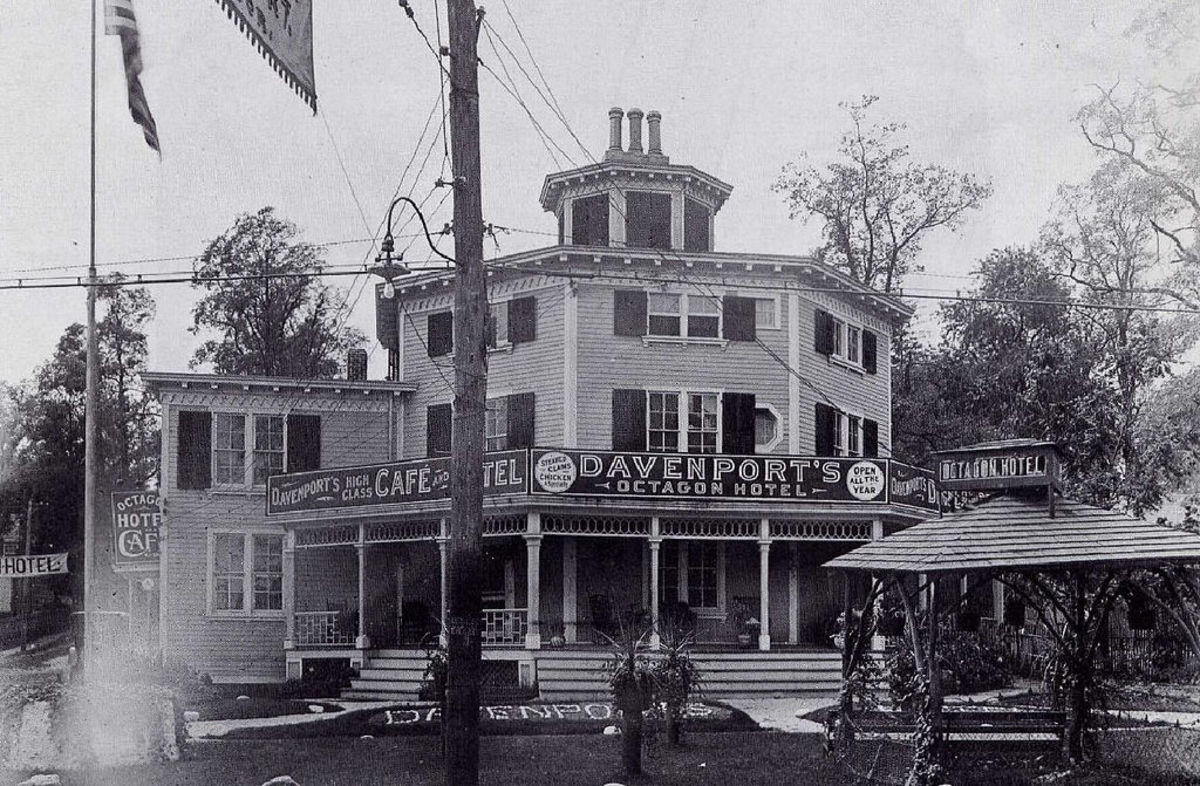 The Octagon Hotel in 1910.