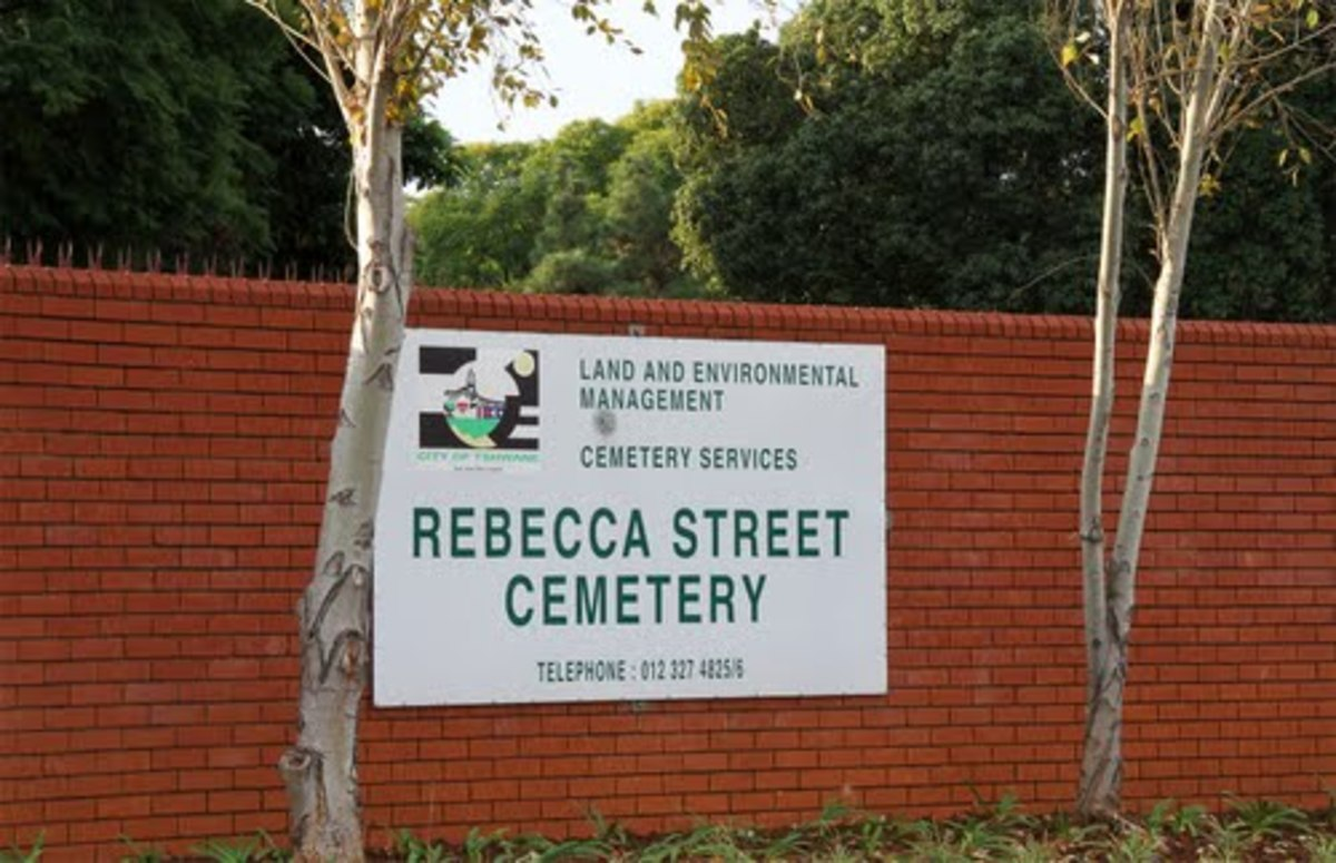 The Rebecca Street Cemetery trip was only on Sundays, with an hour waiting time inside the cemetery.