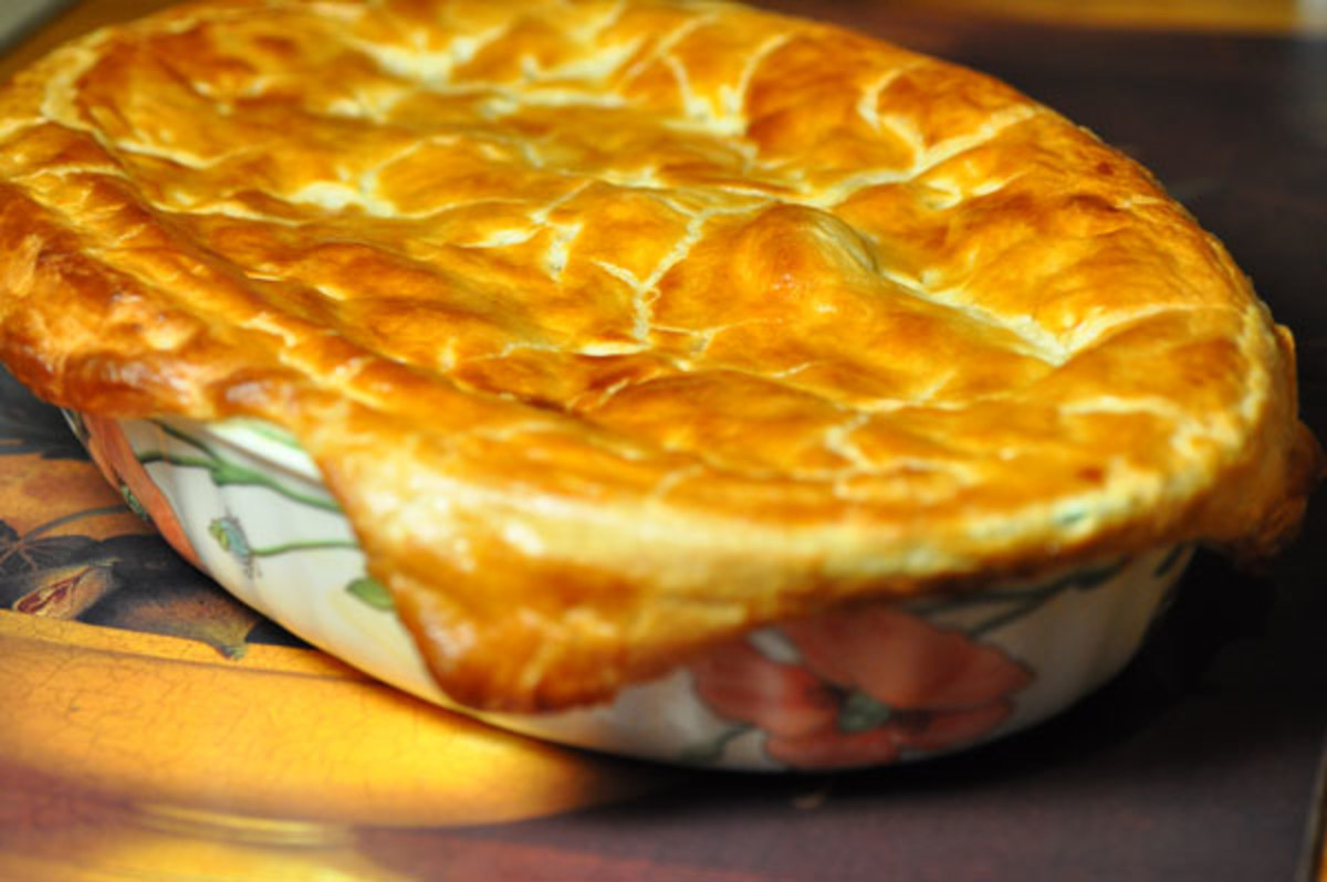 Use a deep dish for Chicken Macaroni Pie. Image:  Siu Ling Hui