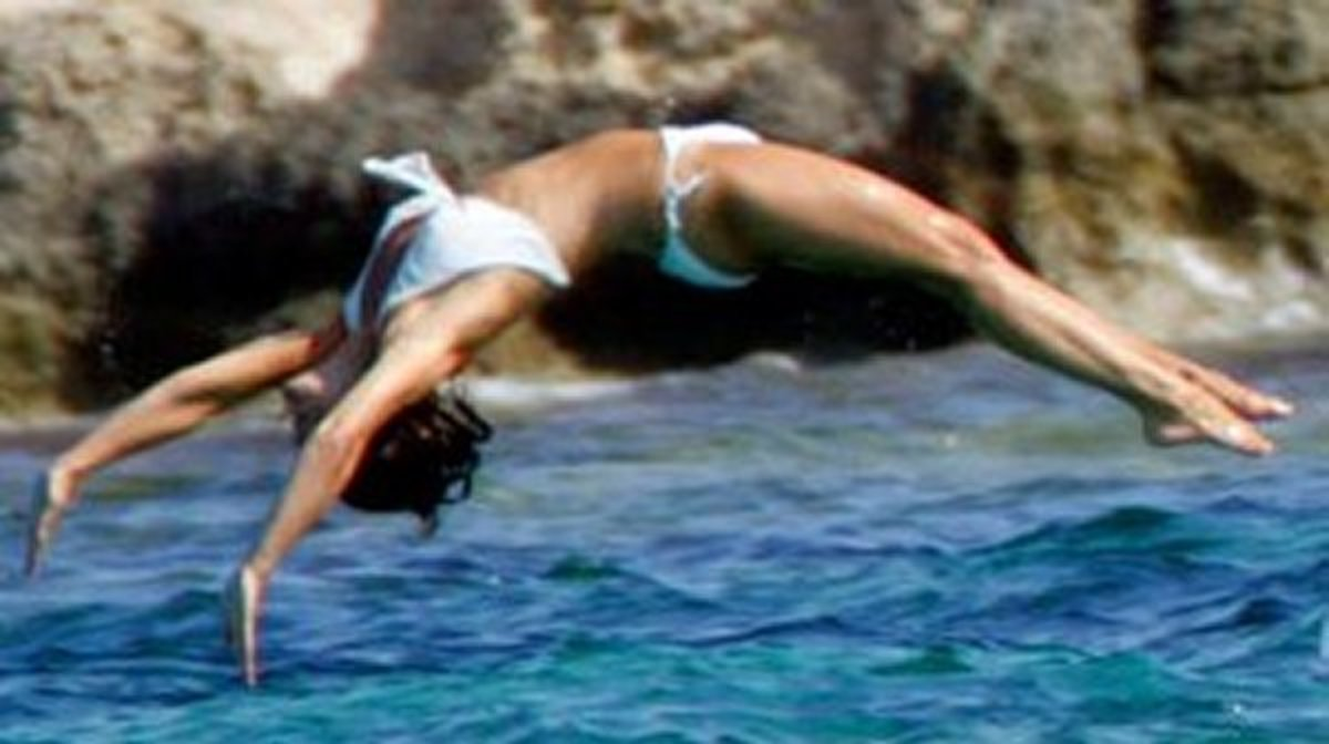 Pippa Middleton doing backflips into the Caribbean waters