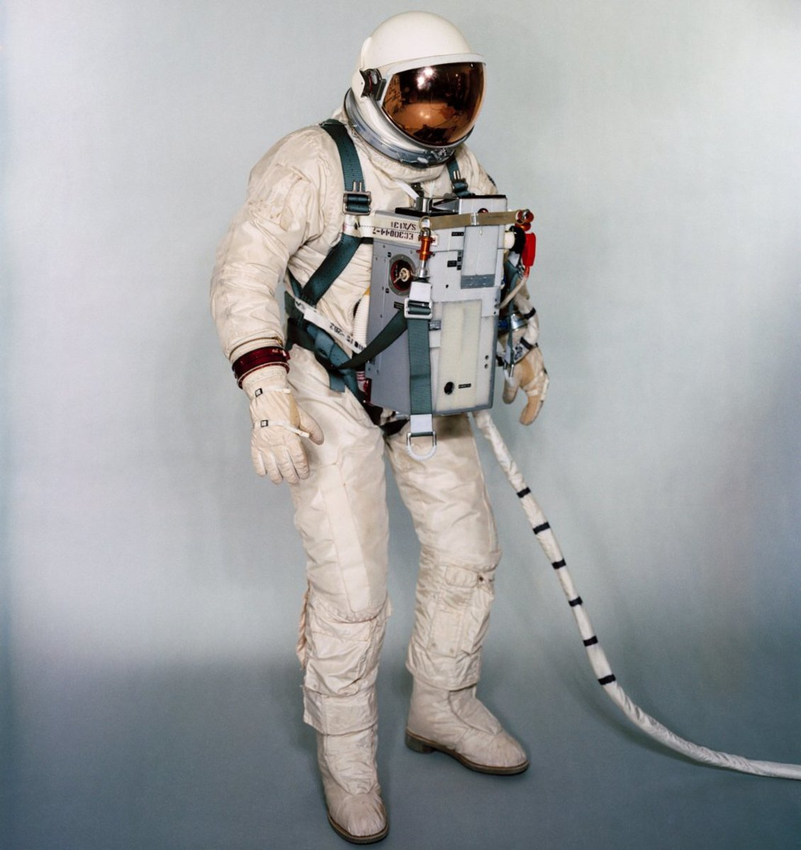 The chest-mounted Extravehicular Life Support System (ELSS). Photo courtesy of NASA.