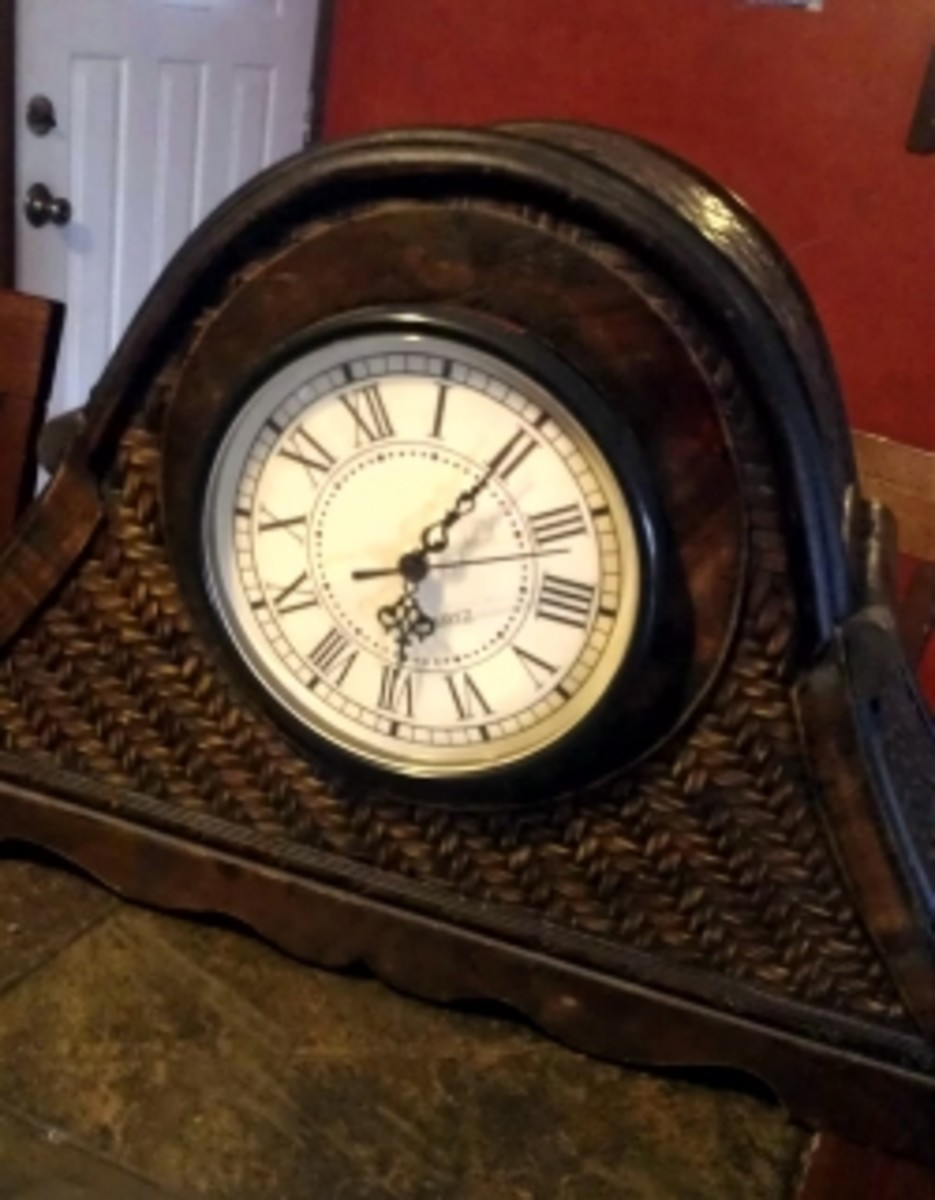 clocks-with-hidden-doors