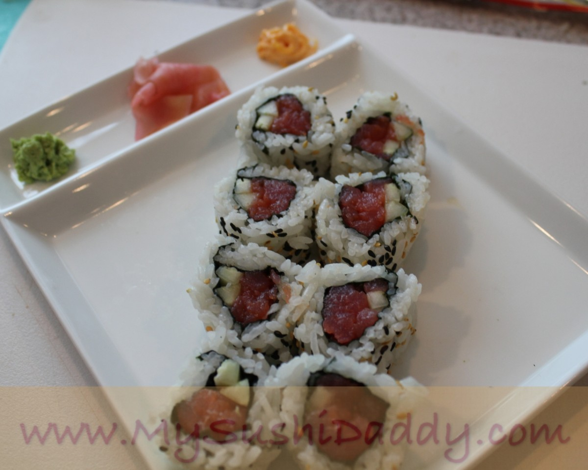 How to Make Spicy Tuna Sushi Roll