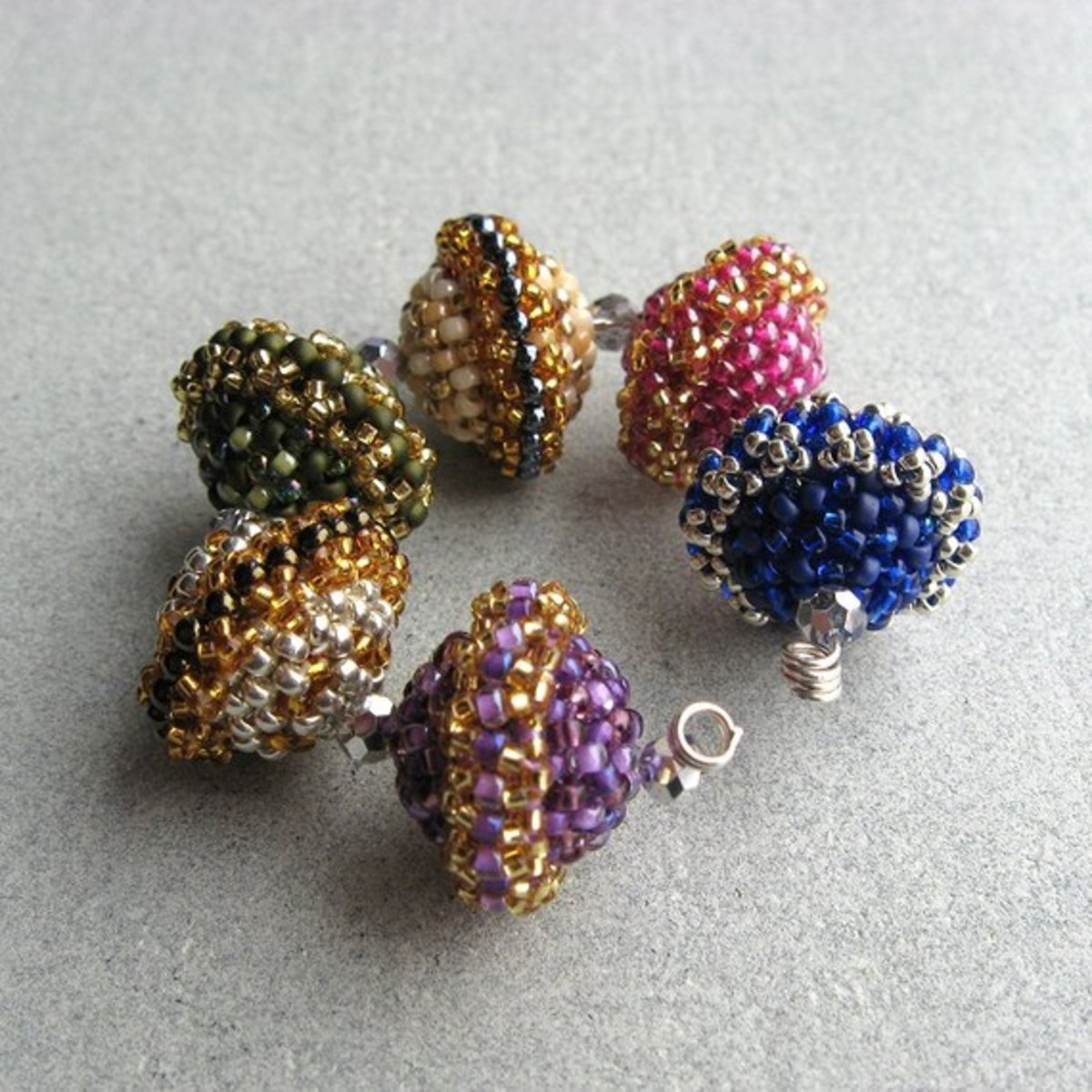 beaded-beads-patterns-and-stunning-jewelry-inspiration
