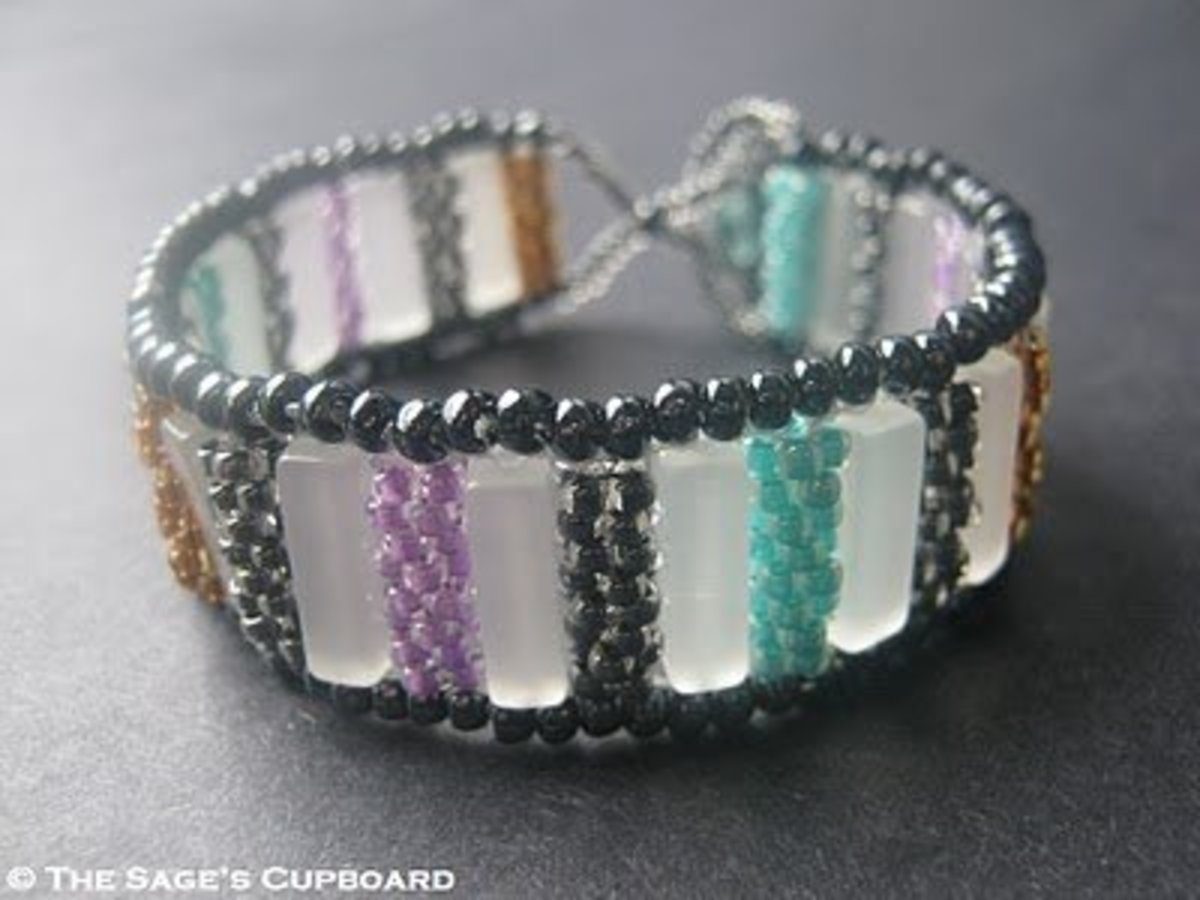 Incorporate beaded beads into your bracelet designs.
