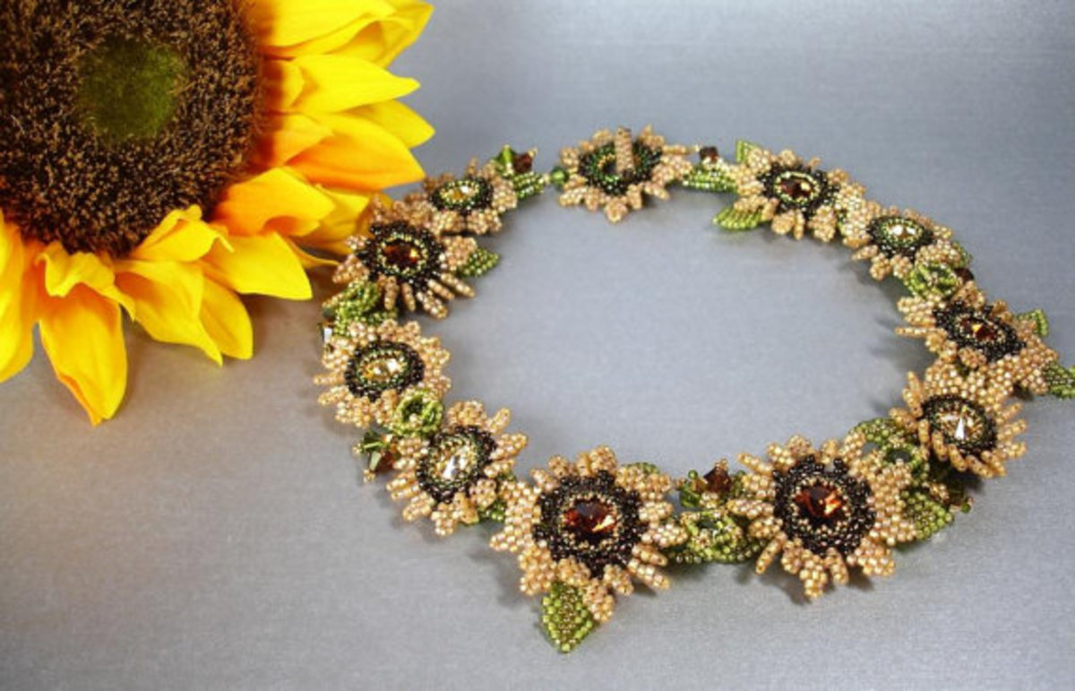 Tuscan Sunflower Beadwoven Collar: Callie used beaded leaves as components in this stunning sunflower necklace.