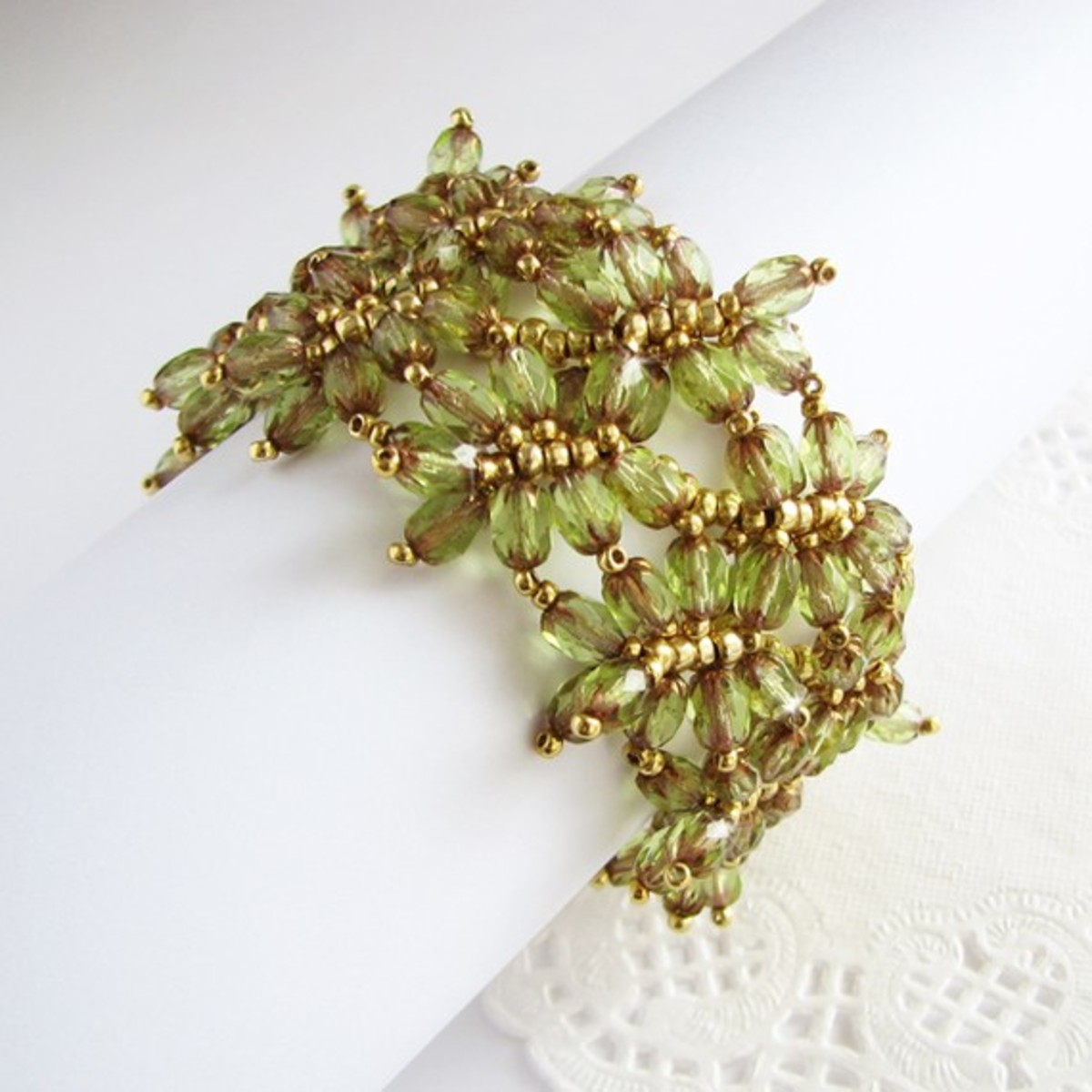 beaded-beadwoven-leaves-stand-alone-projects-as-components-and-cuff-designs