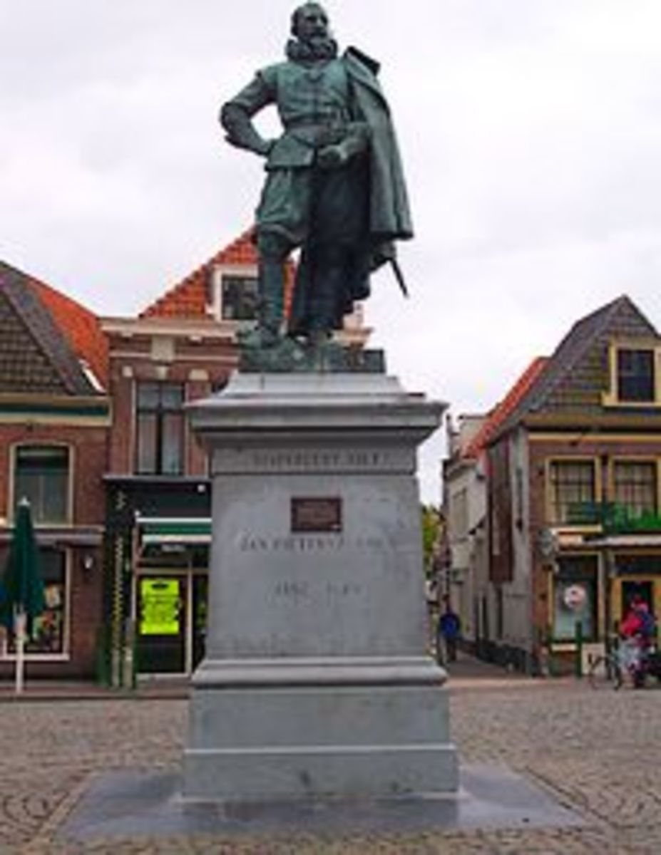 Statue of Jan Pieterszoon-Coen in Hoorn
