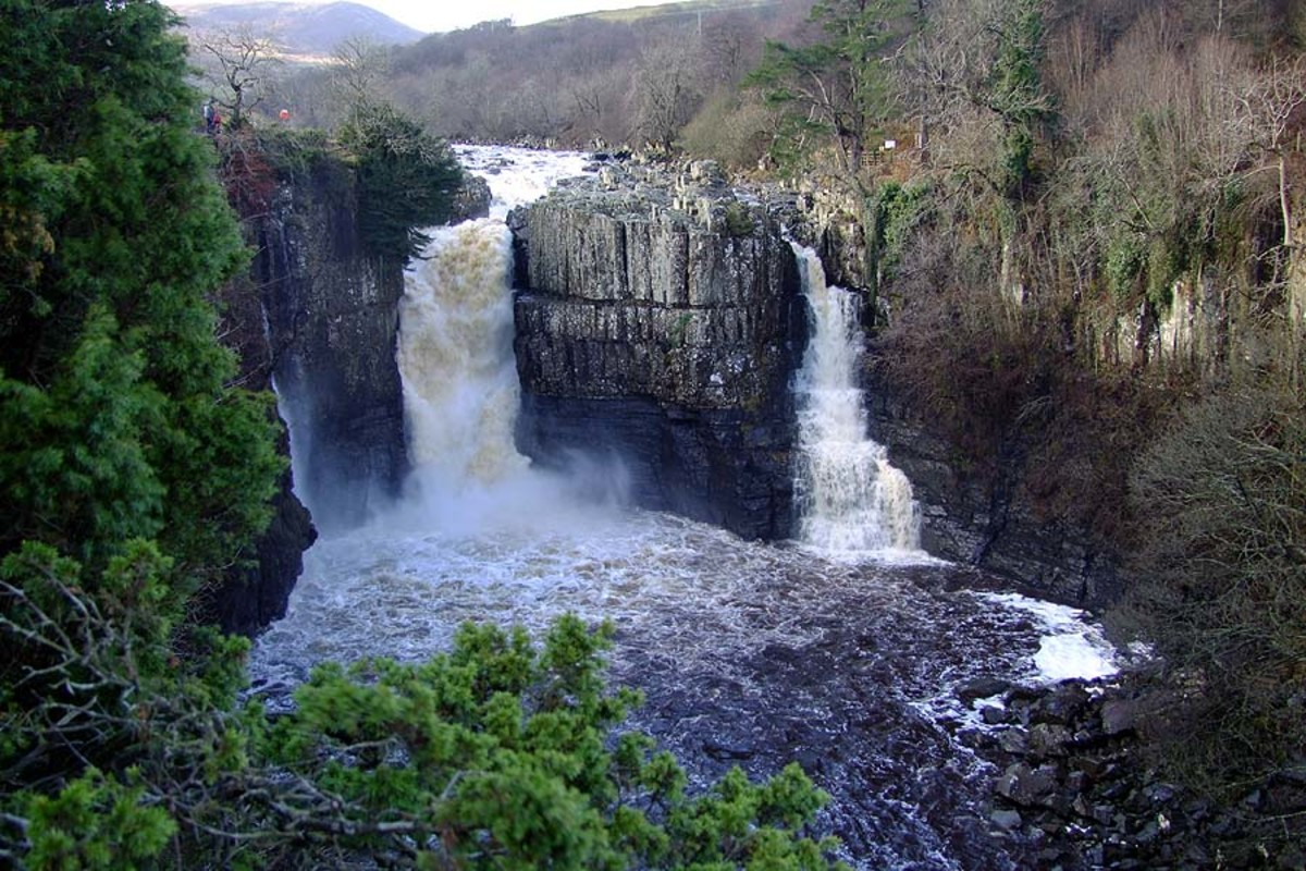 High Force waterfall's main drop (left) and its subsidiary (right). In autumn or wet Pennine weather both sides will see raging torrents that you feel under your feet nearly half a mile away on the footpath. This is the watershed area of the North