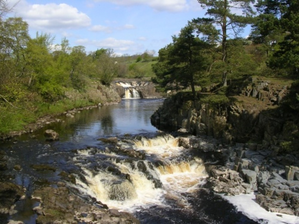 Low Force near Bowlees sports a water sports centre, that uses the Tees. We are well on the way to High Force...