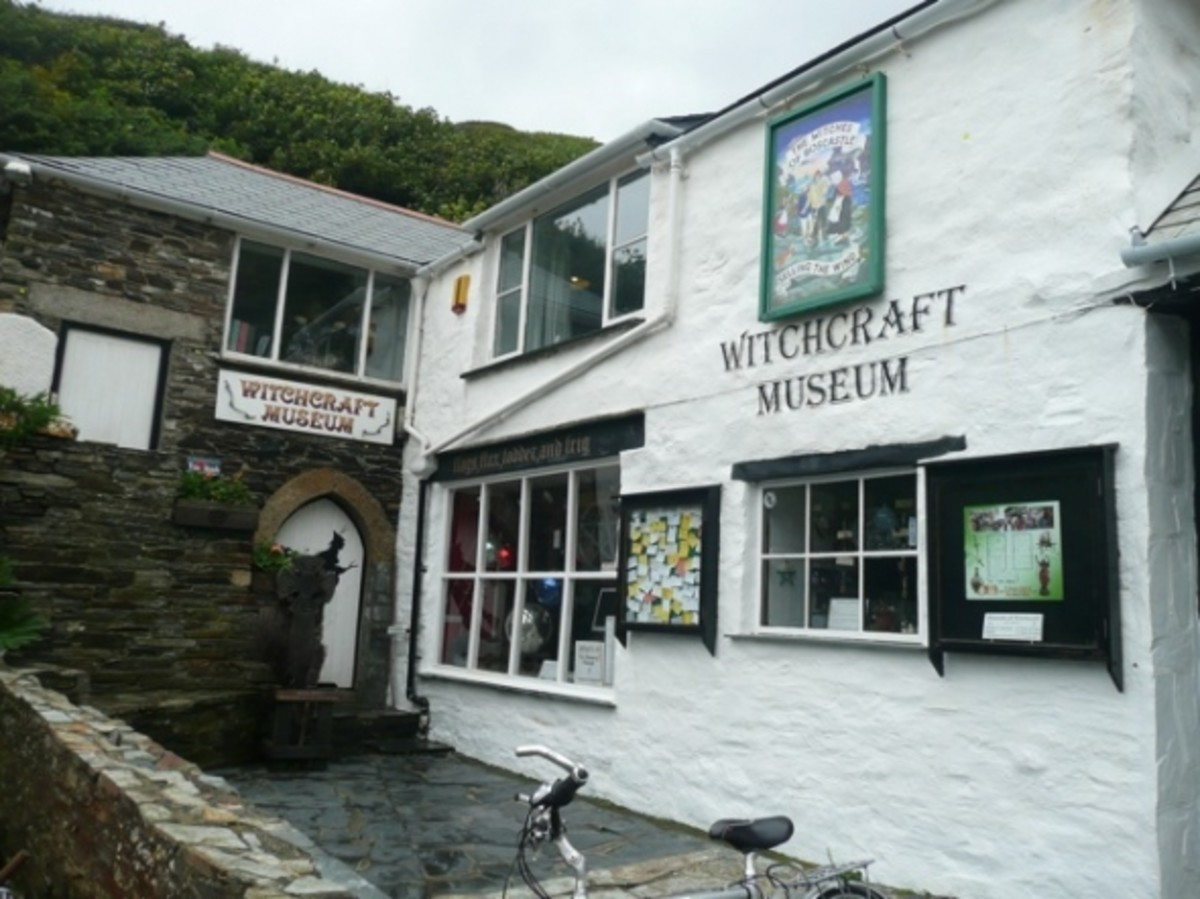 The nearby village of Boscastle suffered huge flood damage back in 2004, but has rebuilt itself and makes a lovely visit. One of the attractions includes the wonderful Witchcraft Museum.