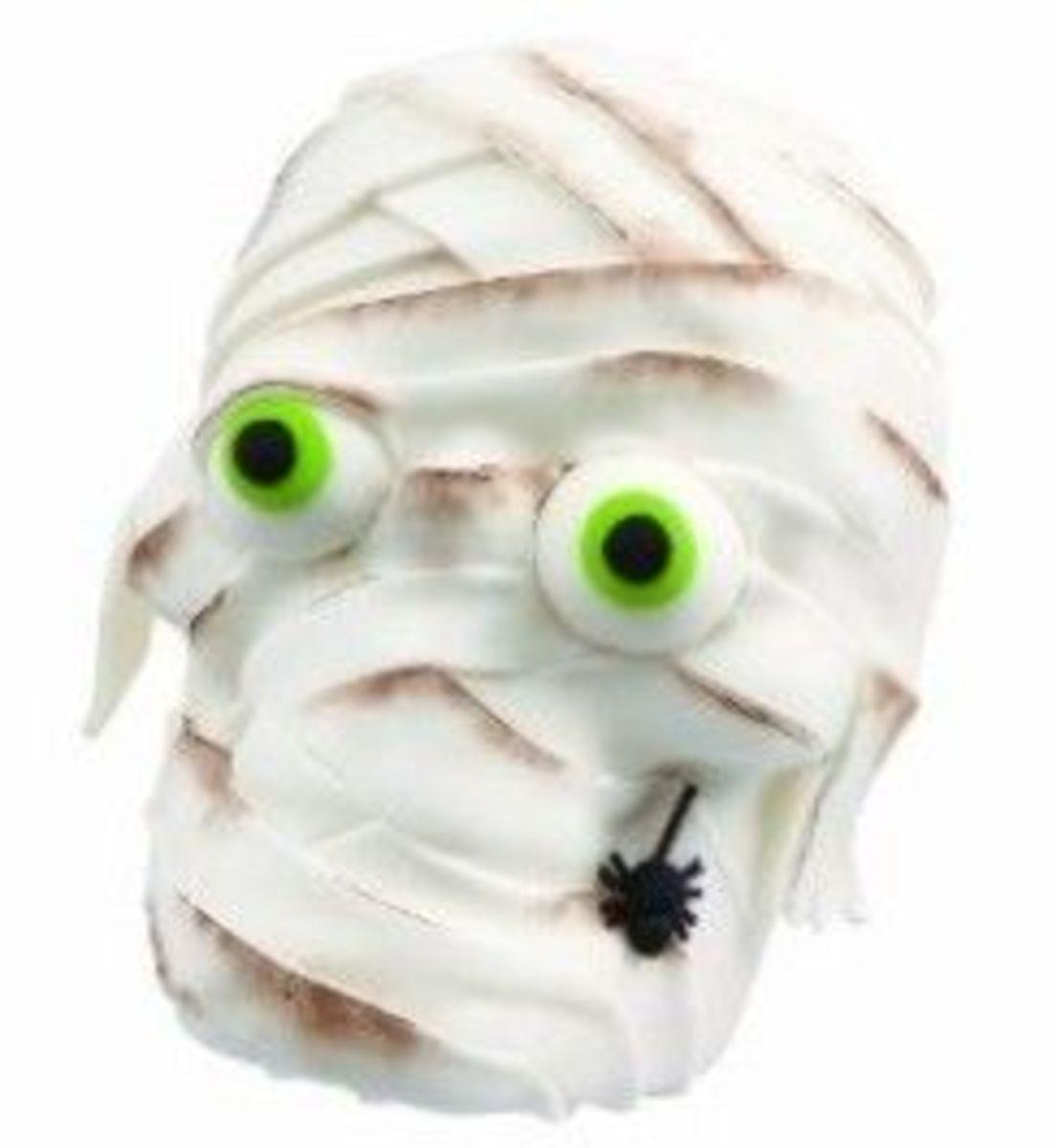 Mummy 3D Skull Cake