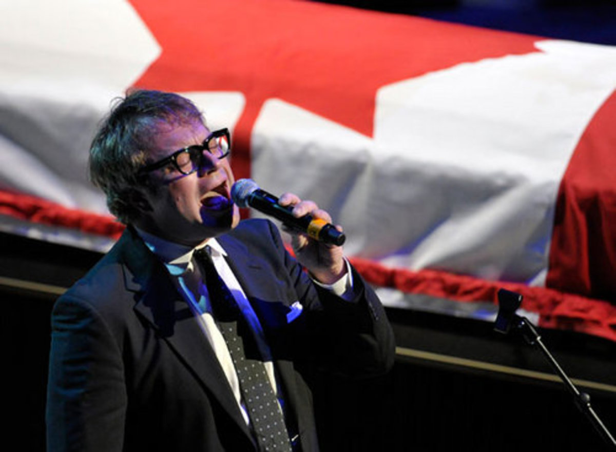 Steven Page sings 'Hallelujah' during the state funeral for NDP Opposition Leader Jack Layton in Toronto August 27, 2011.