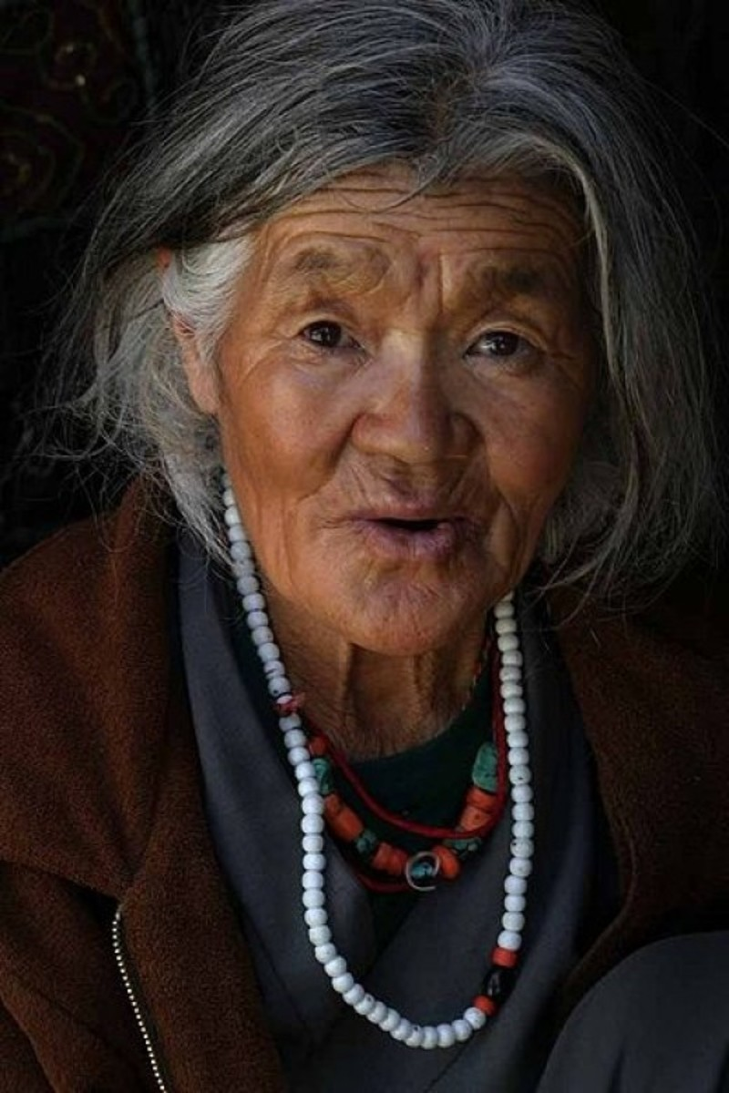 Old woman of Ladakh, India
