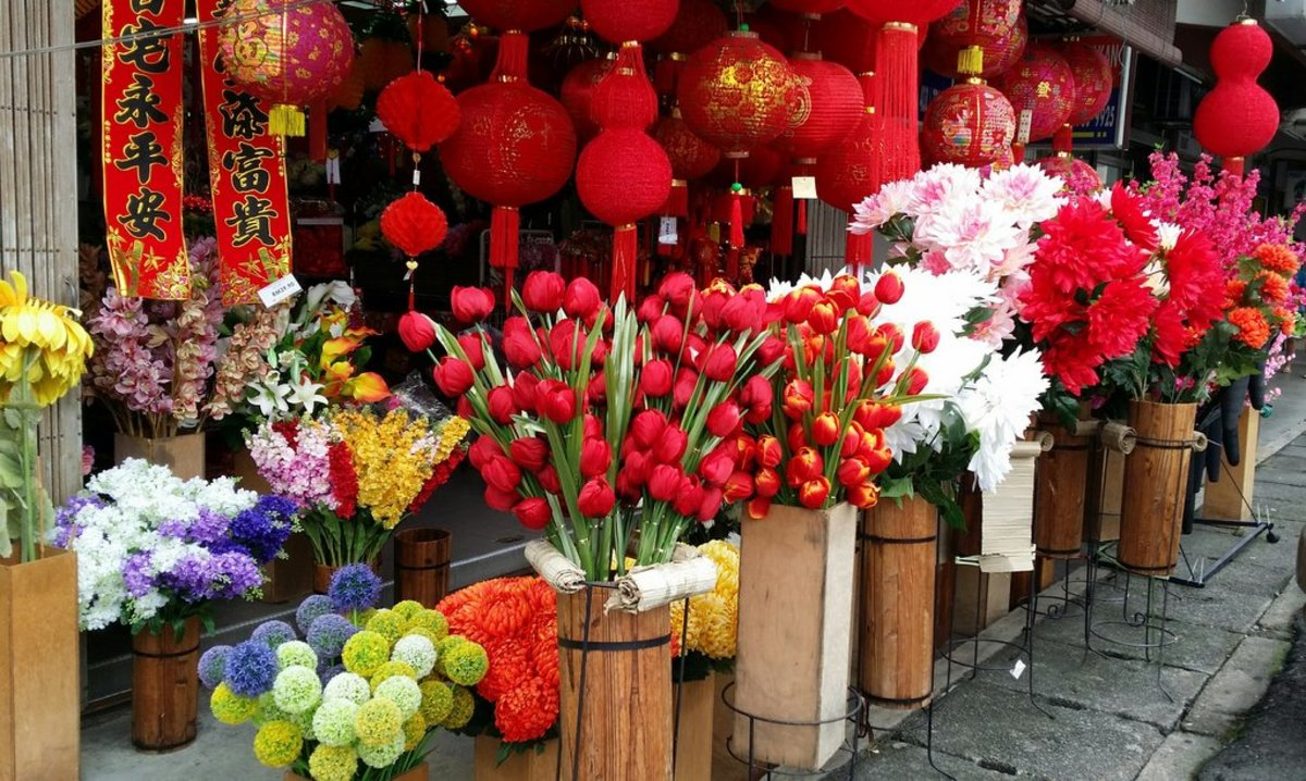 CNY paraphernalias and other decorative items on sale at PJ old town