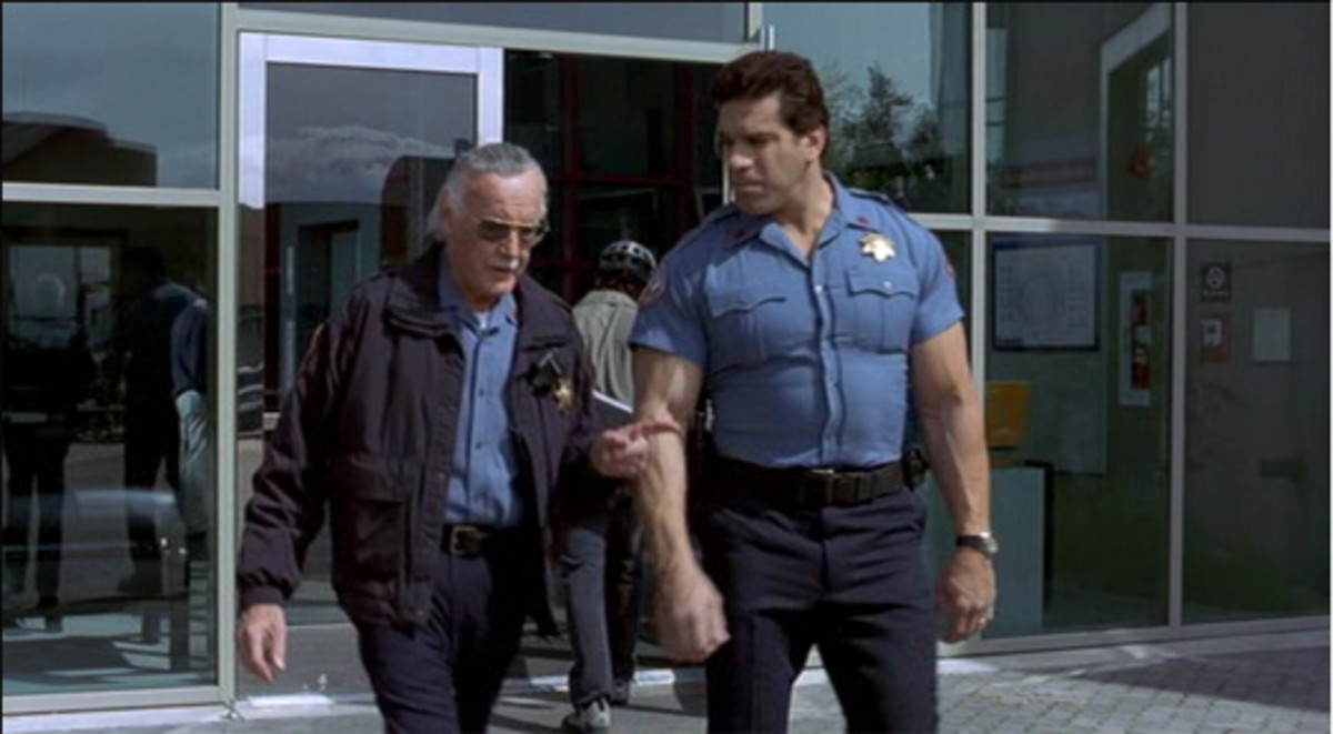 Stan Lee and Lou Ferigno as security guards in the 2003 Hulk film.