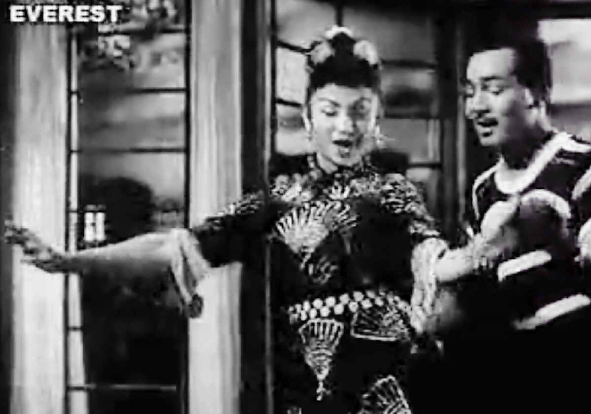 One of the earliest Item Numbers of Bollywood, with the eternal Item Girl of Bollywood: Helen