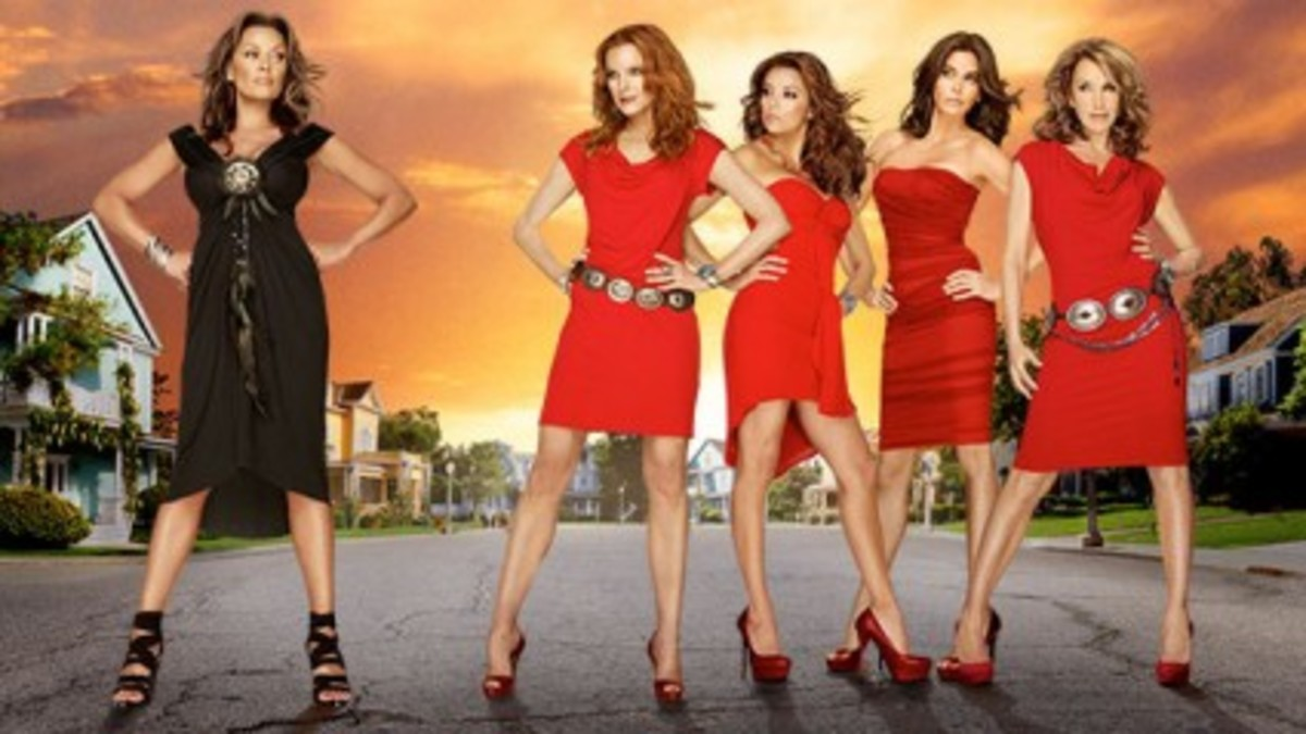 The Desperate Housewives - Season 8: Renee Perry, Bree Van De Kamp, Gabrielle Solis, Susan Mayer and Lynette Scavo.