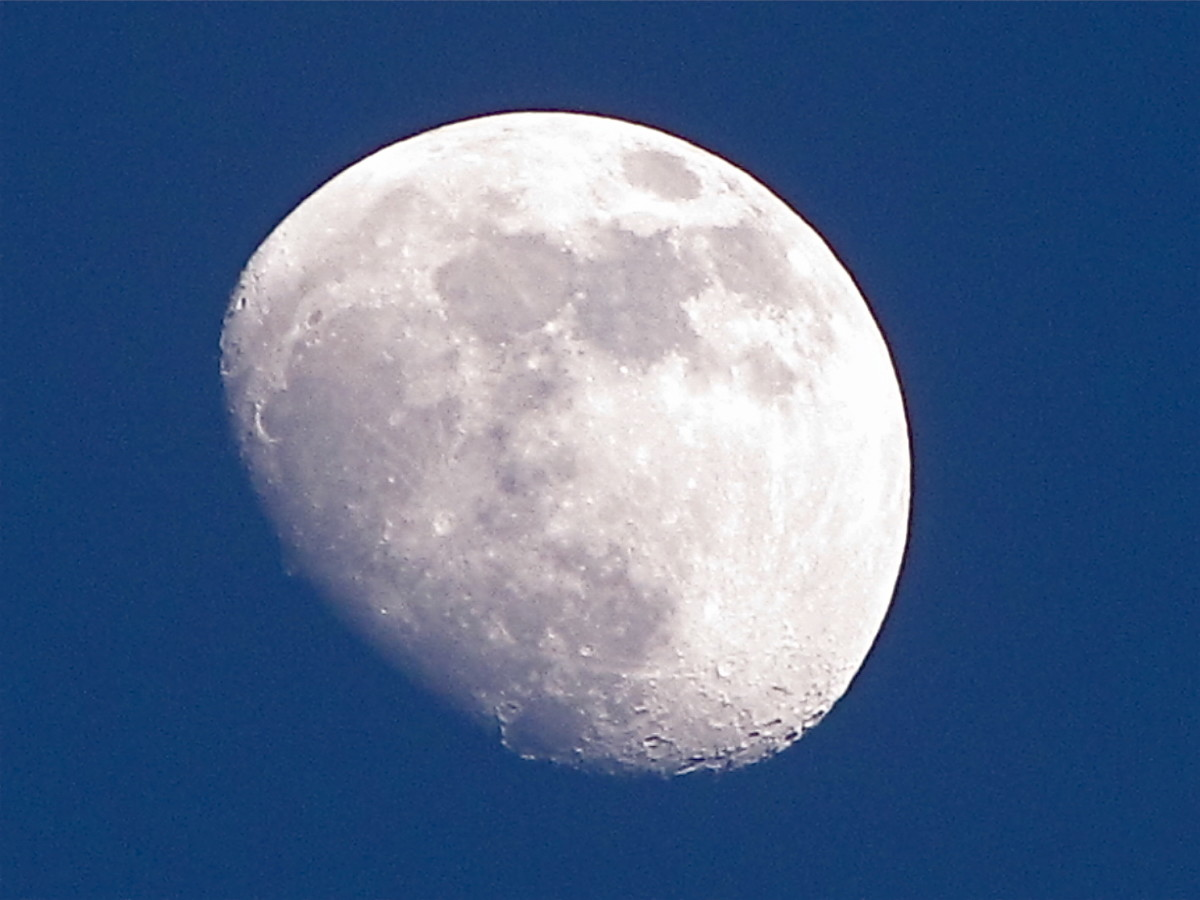 How to Take Photographs of the Moon