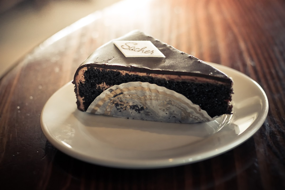 Austrian Food - Chocolate Cake with Apricot Jam Filling (Sachertorte ...
