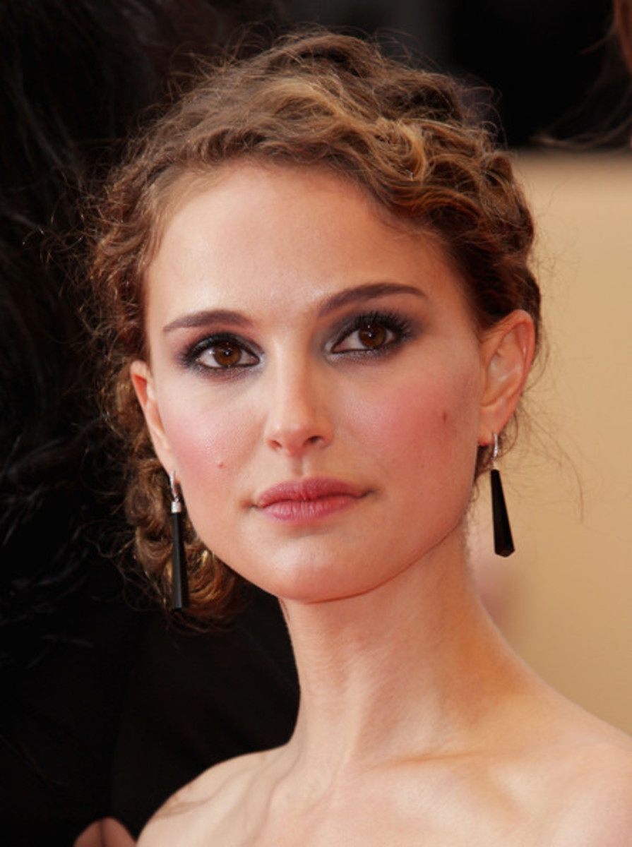 Natalie Portman in Smokey Eye Makeup
