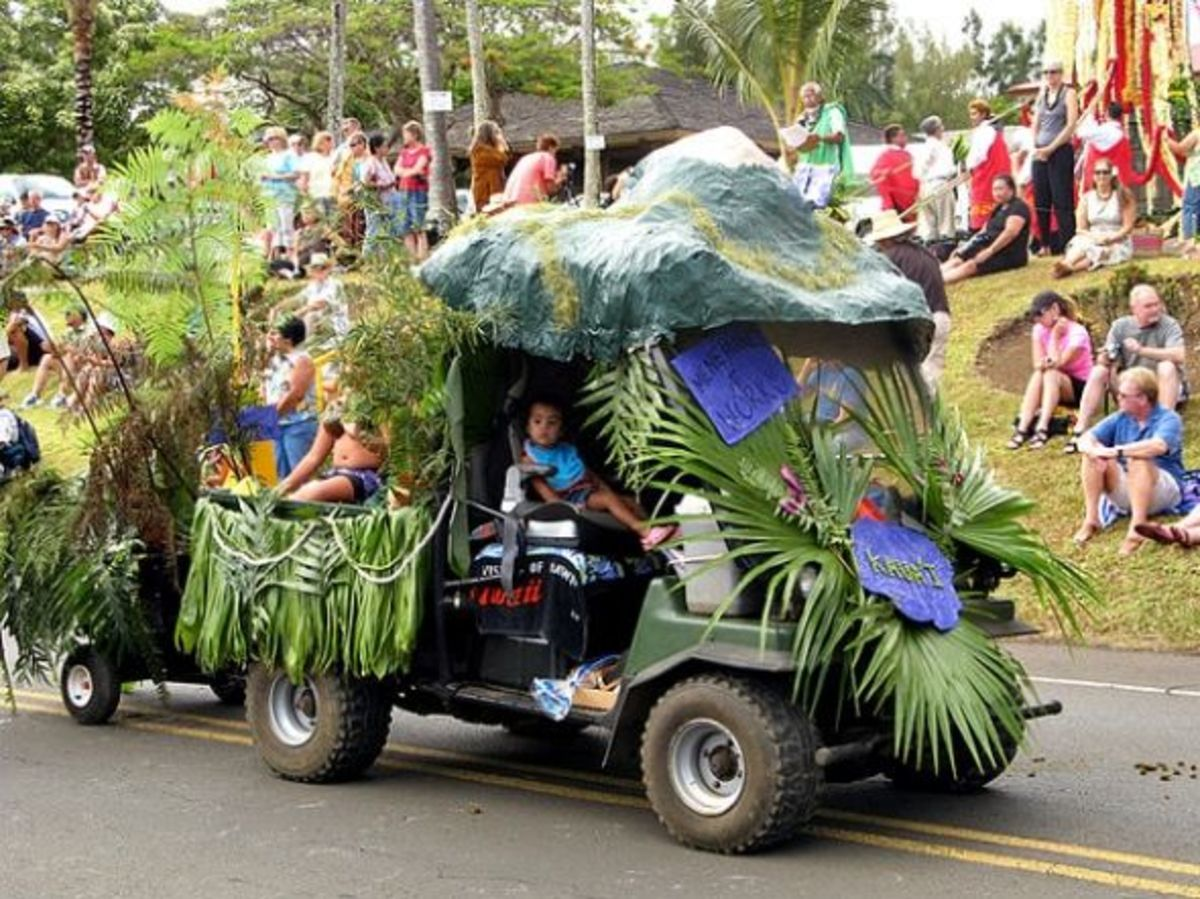 Menehune at Work - Pony Pooper Scooper - King Kamehameha Day Parade from Kaua'i. Keeping Hawaii Clean!
