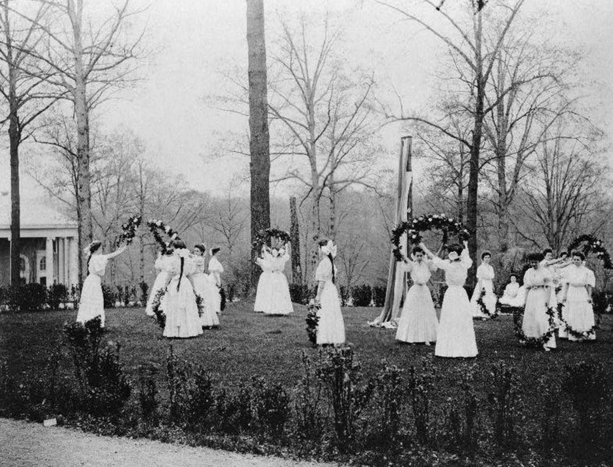 Facts About May Day History and Maypole Dancing for Kids and Adults