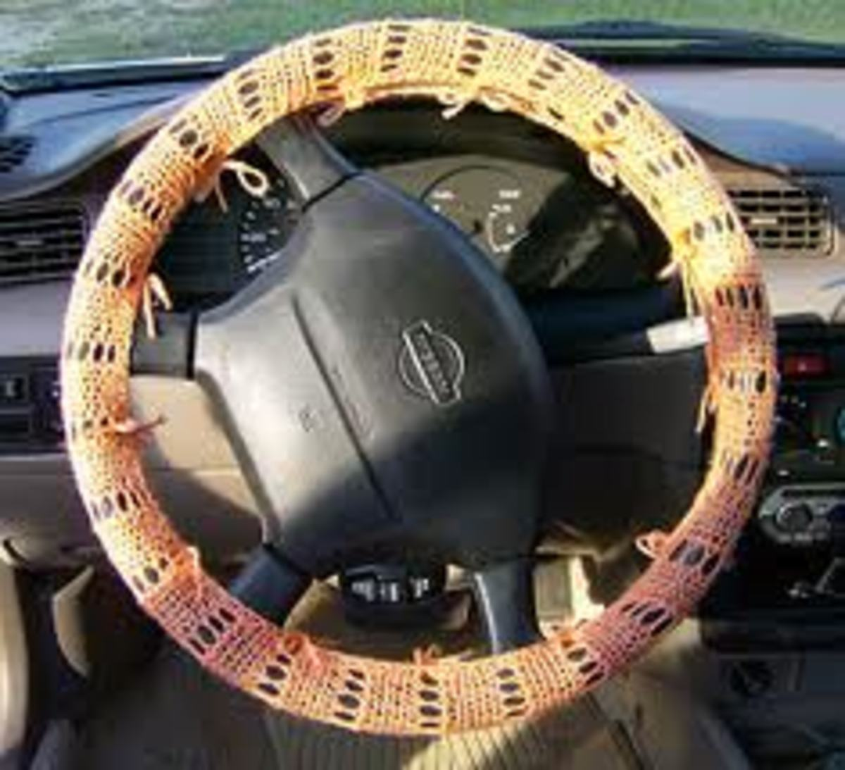 How to Make a Steering Wheel Cover with Yarn - A Fun Crochet Project
