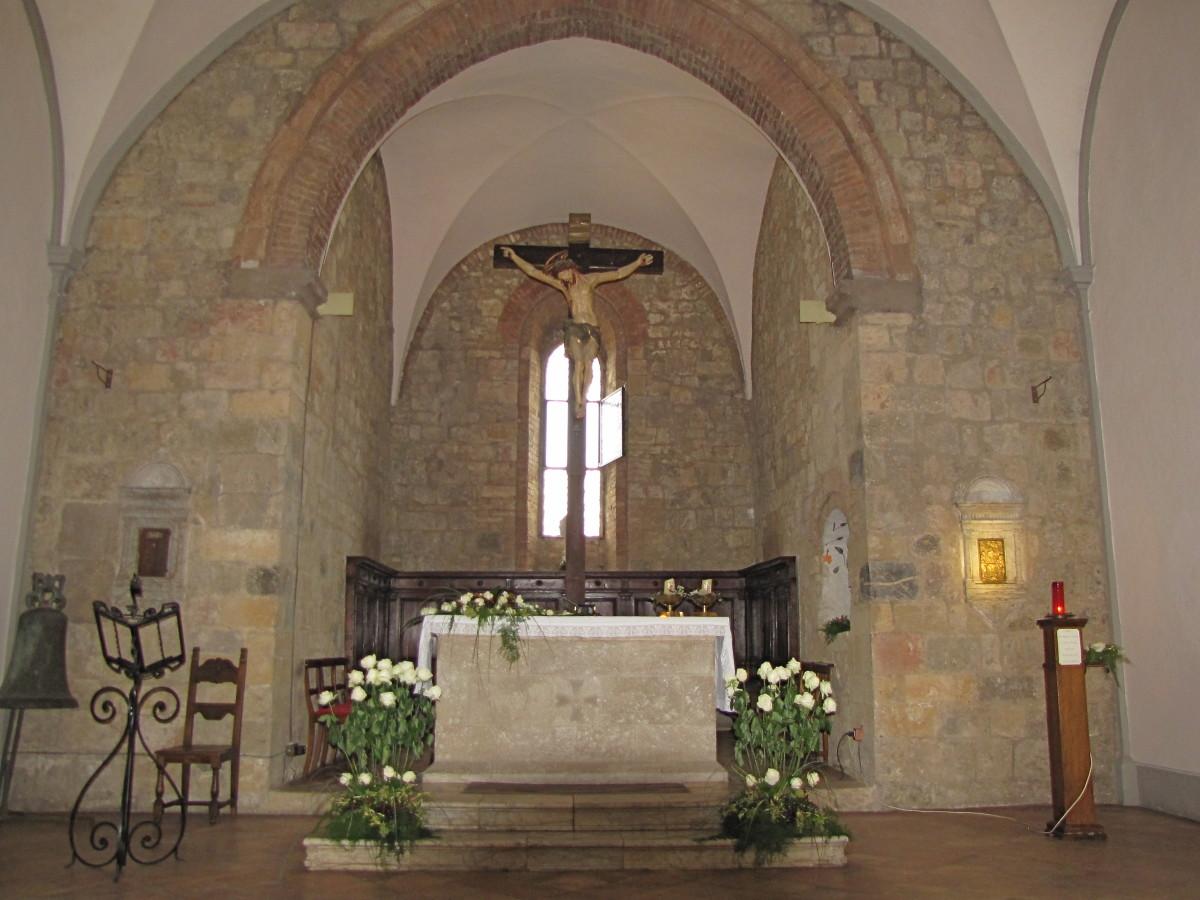 The altar of the Church of Santa Maria.