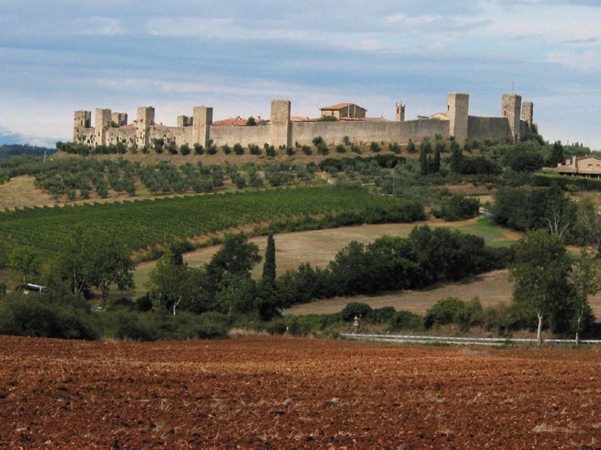 Monteriggioni:  Tuscany's Fortress in the Sky